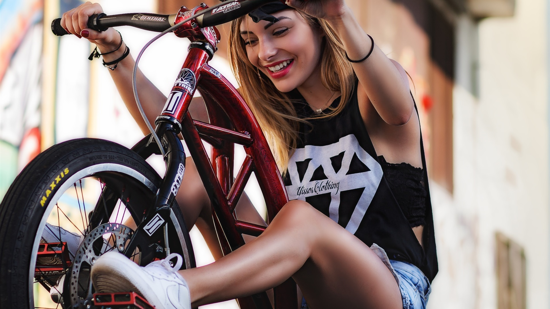 Deepthroat pictures of girls riding bikes out