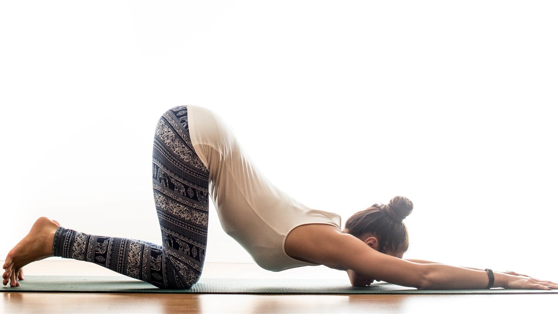 Wallpaper Yoga Girl Gymnastics Pose 3840x2160 Uhd 4k