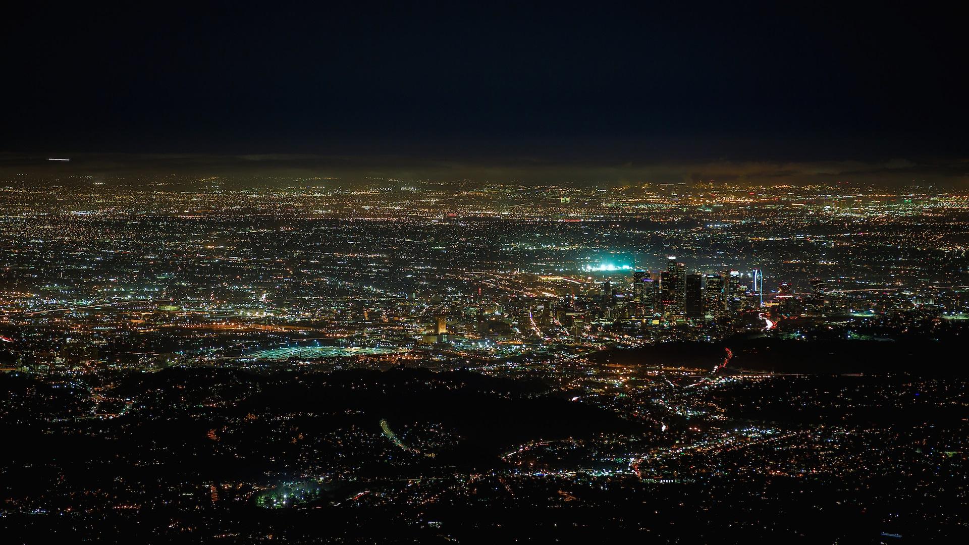Картинка города сверху ночью