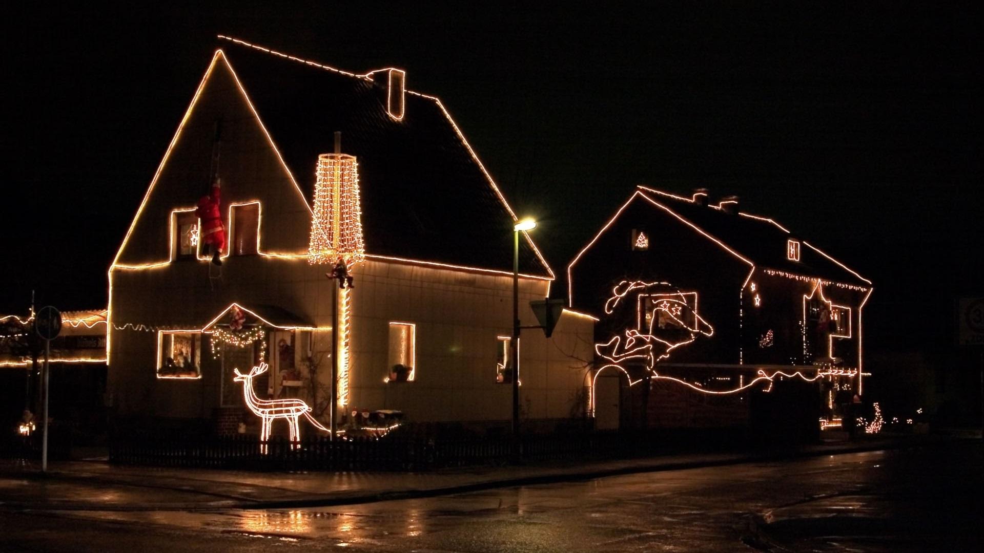 Haus Weihnachtsbeleuchtung.Weihnachten Haus Weihnachtsbeleuchtung Nacht 1920x1080