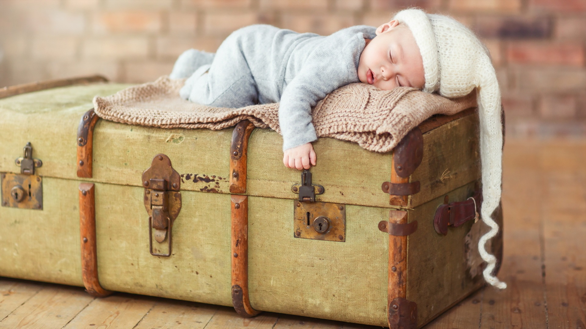 Wallpaper Cute Baby Sleep On Suitcase 1920x1080 Full Hd 2k Picture Image