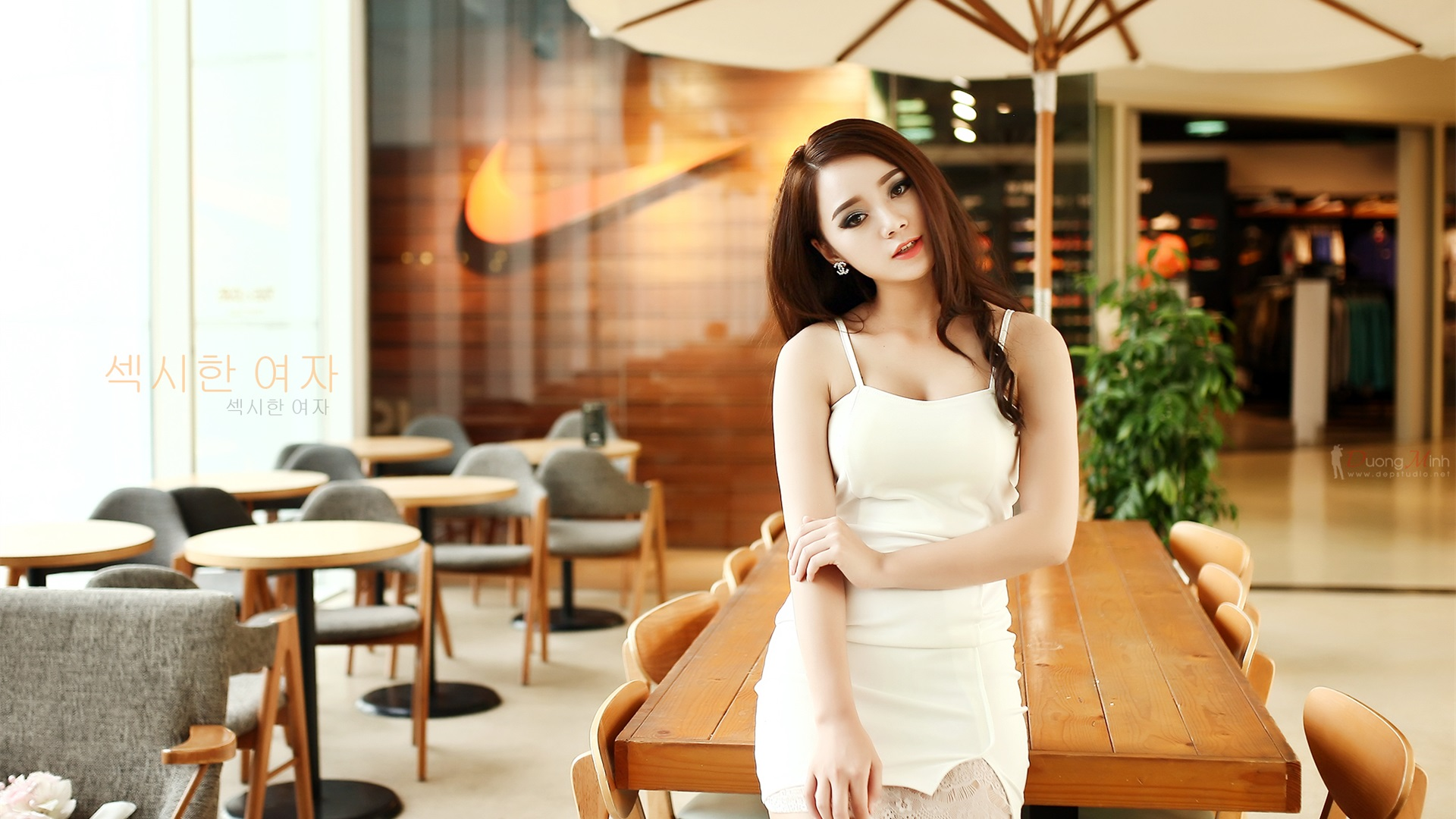 Wallpaper Korea girl, cafe 1920x1200 HD Picture, Image