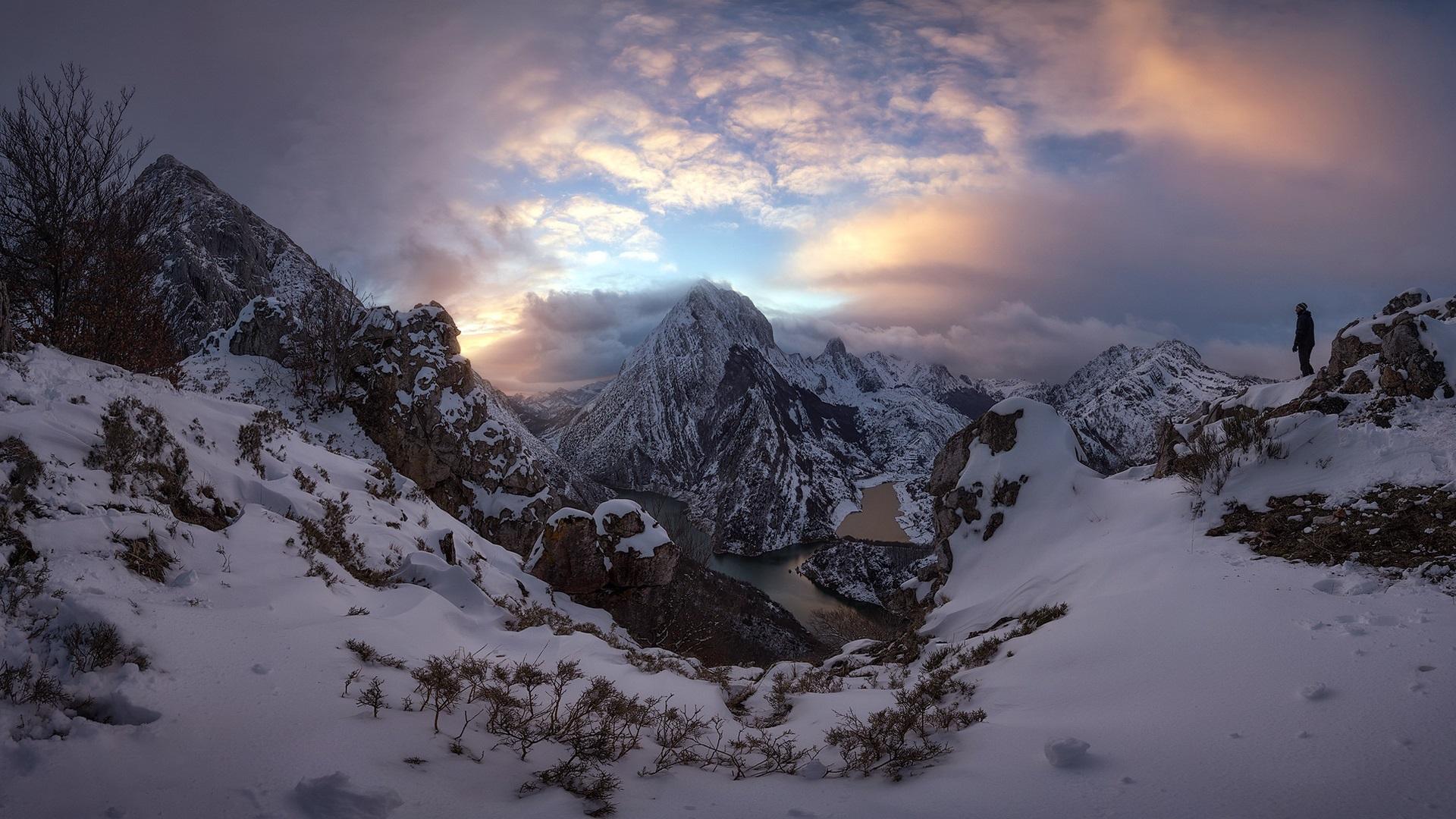 Fondo De Montañas Nevadas En Hd: Montañas, Nieve, Gente, Río, Nubes, Mañana Fondos De