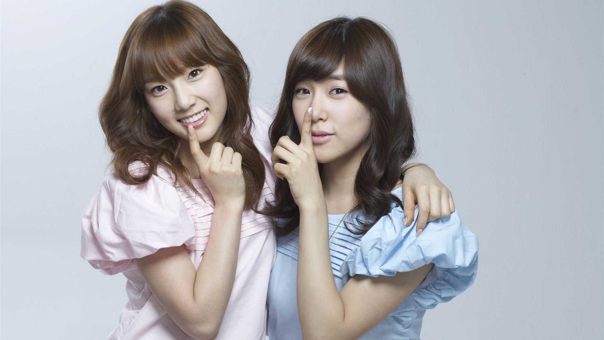 Wallpaper SNSD, two korean girls 5120x2880 UHD 5K Picture, Image