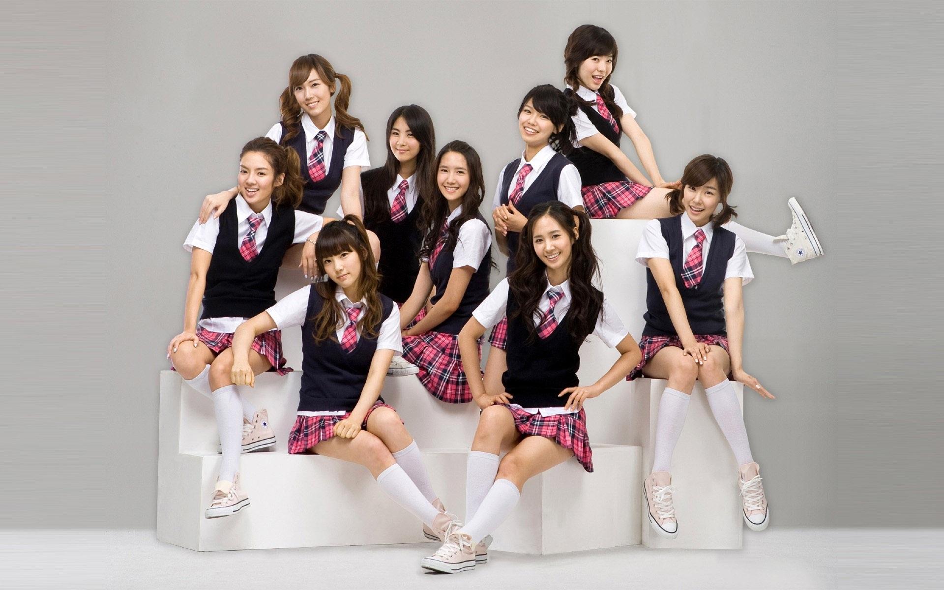 http://best-wallpaper.net/wallpaper/1920x1200/1107/Girls-Generation-10_1920x1200.jpg