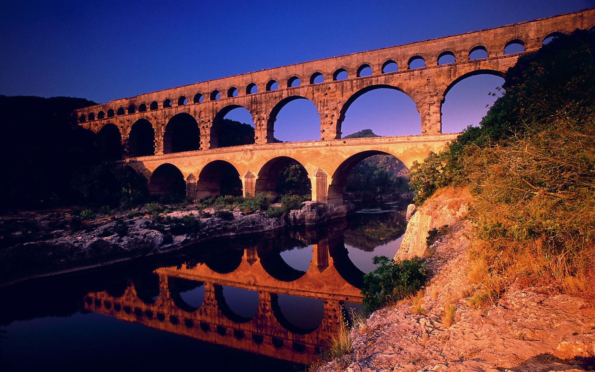 Pont du Gard Languedoc-Roussillon in France Wallpaper ... Pont Du Gard Top