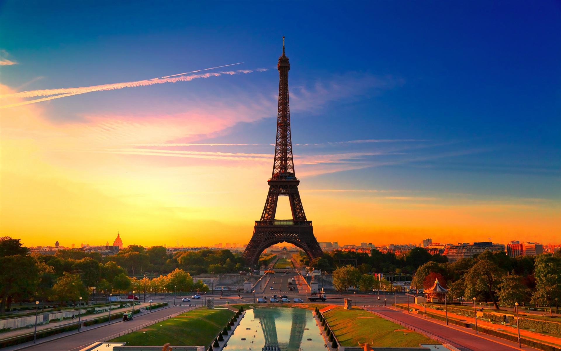 法国巴黎市,艾菲尔铁塔 壁纸