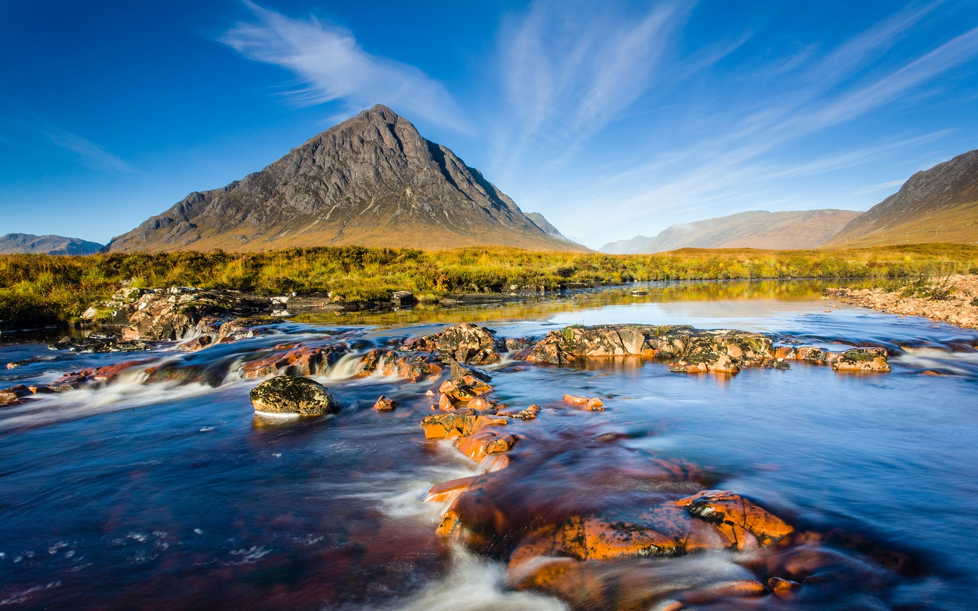 scotland natural scenery mountains -#main