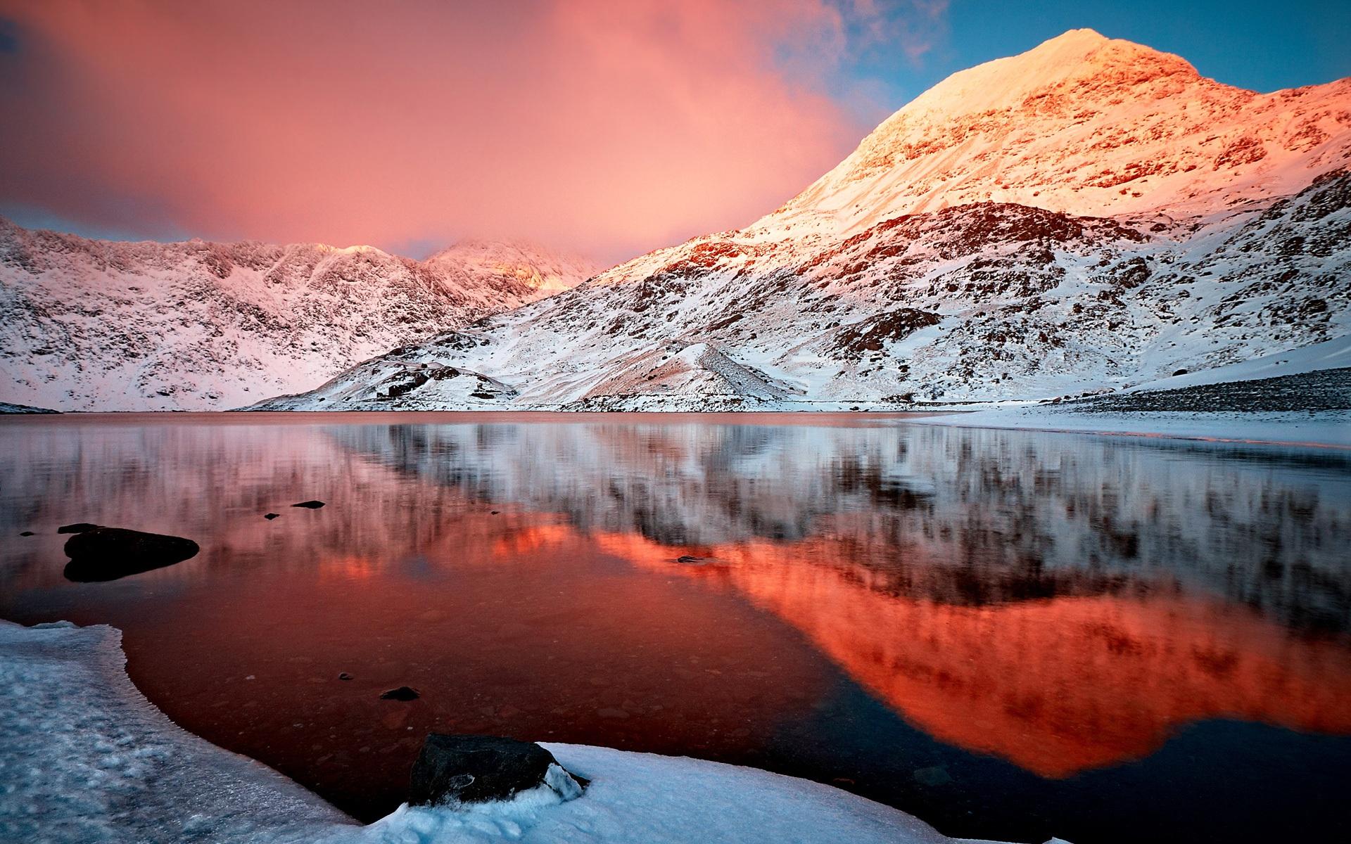 winter see schneebedeckte berge das rote gl hen sch nheit 1920x1200 hd hintergrundbilder hd bild. Black Bedroom Furniture Sets. Home Design Ideas