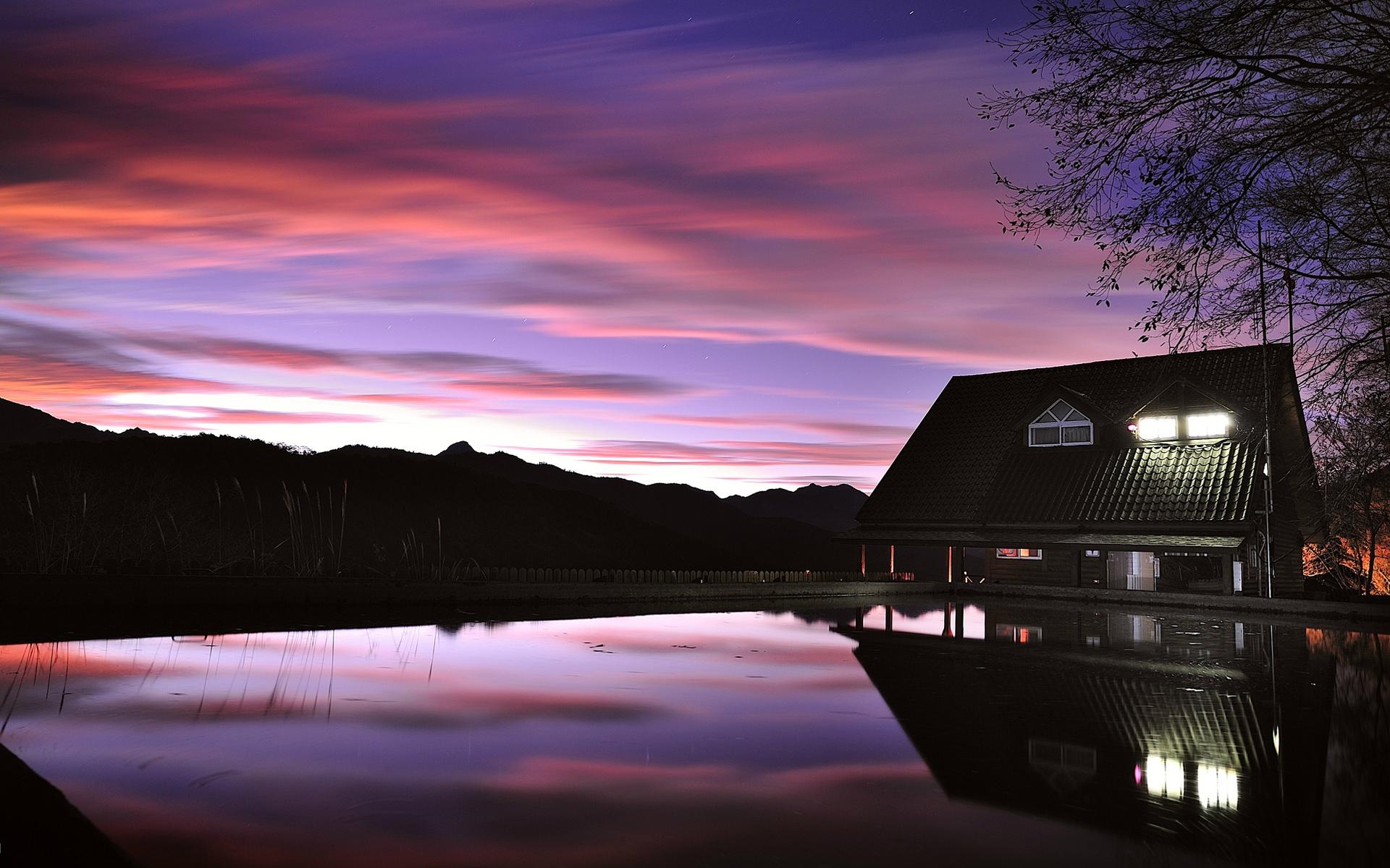 Haus am see wallpaper  Abend Abenddämmerung, Haus, See, Licht, Reflexion ...