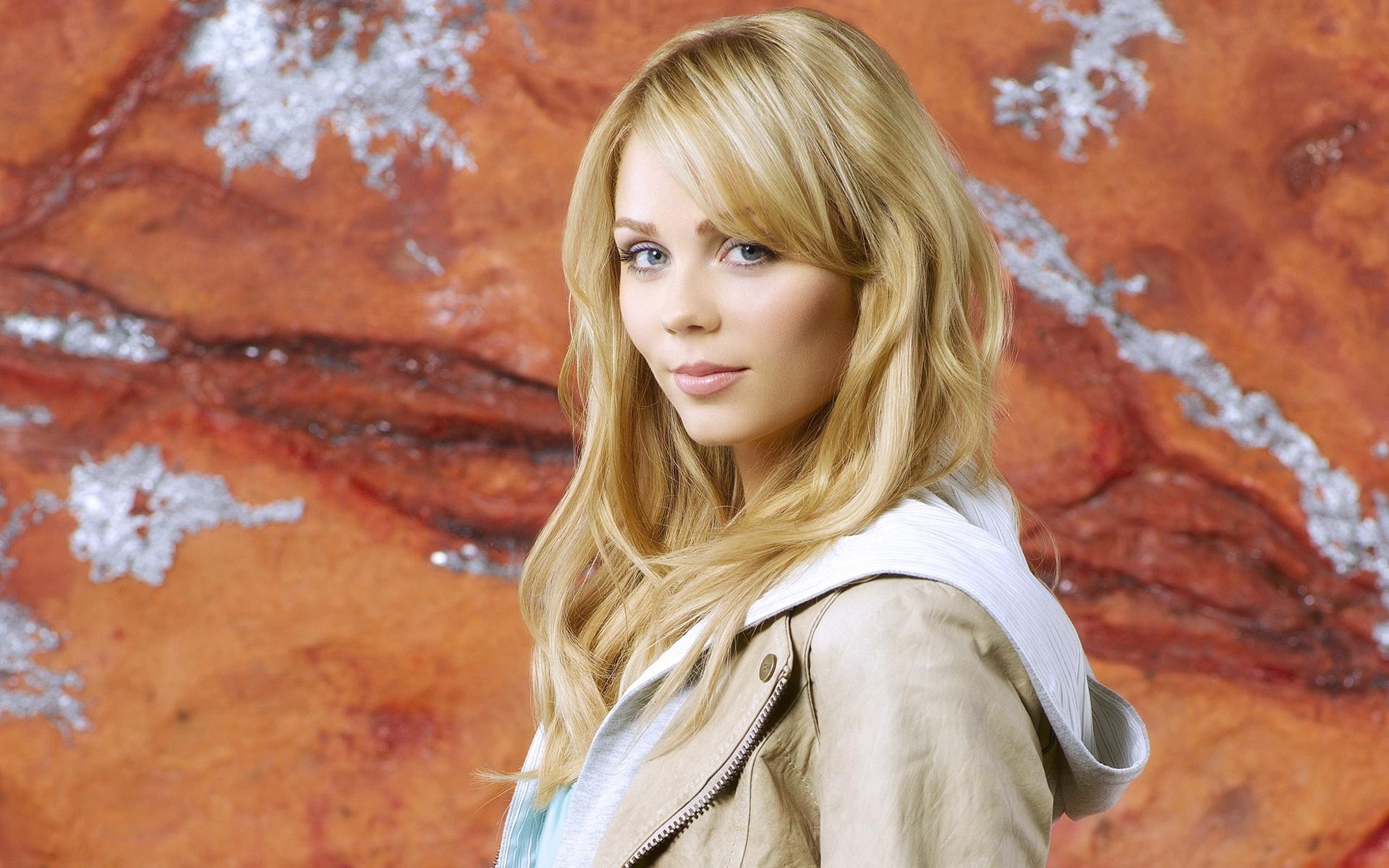 ローラ Vandervoort 04 640x1136 Iphone 5 5s 5c Se 壁紙 背景 画像