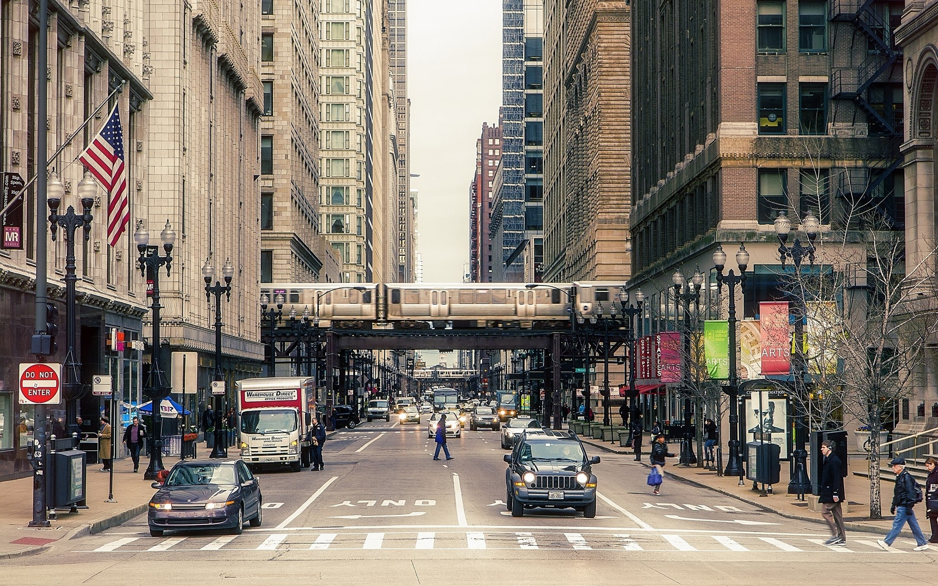 Wallpaper Chicago City Street Buildings People Cars 1920x1200 HD
