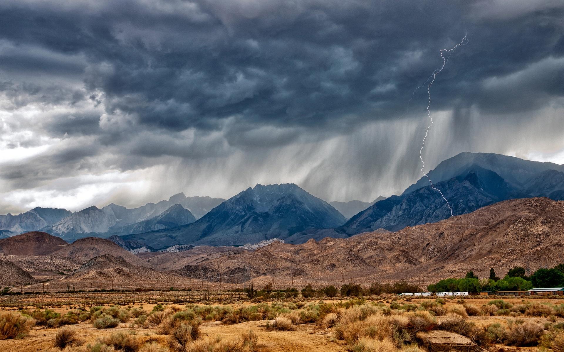 Eastern Sierra Nevada Mountains Desert Lightning