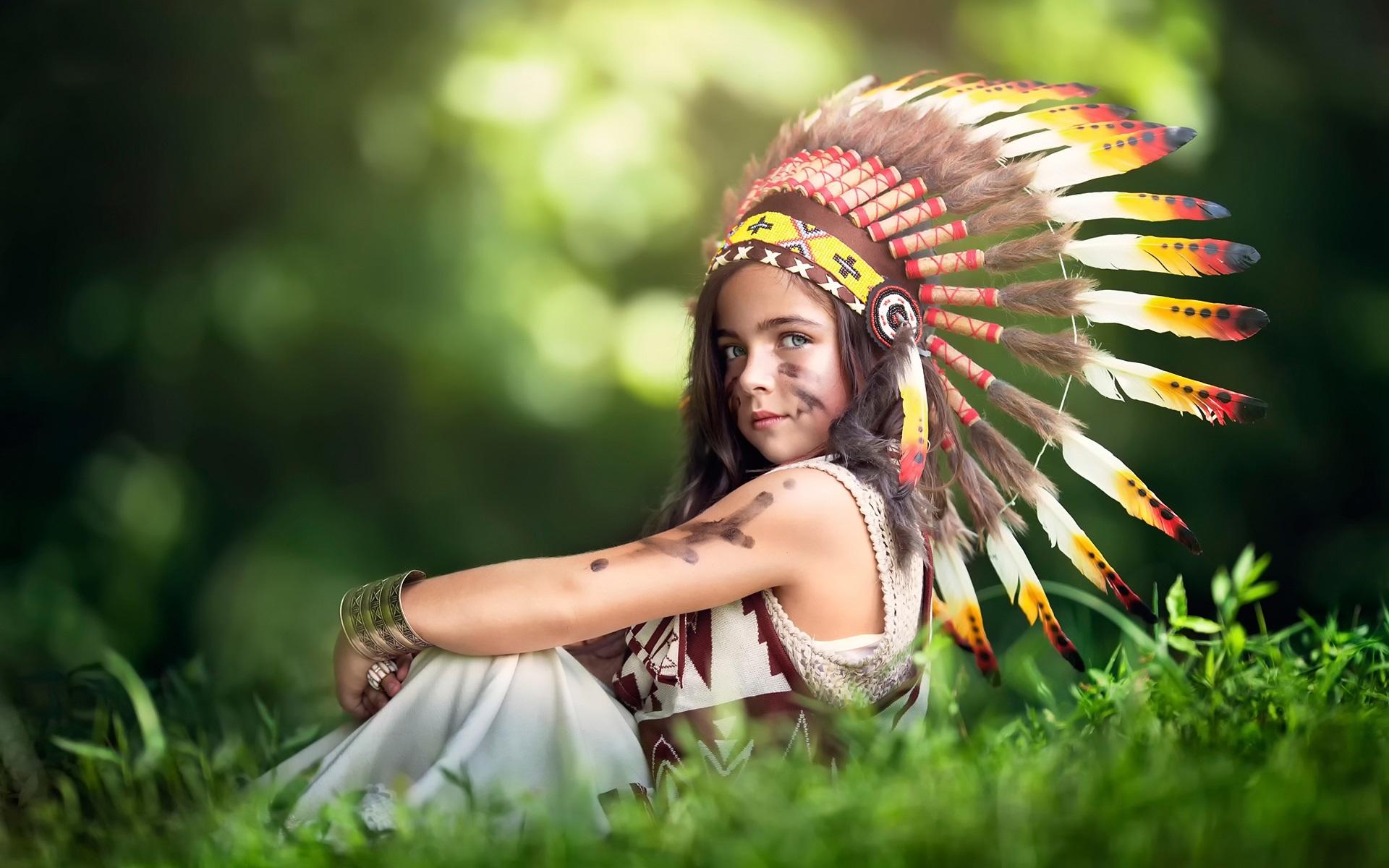 壁紙 かわいいインディアン少女、羽の帽子 前へ 壁紙 かわいいインディアン少女、羽の帽子 192