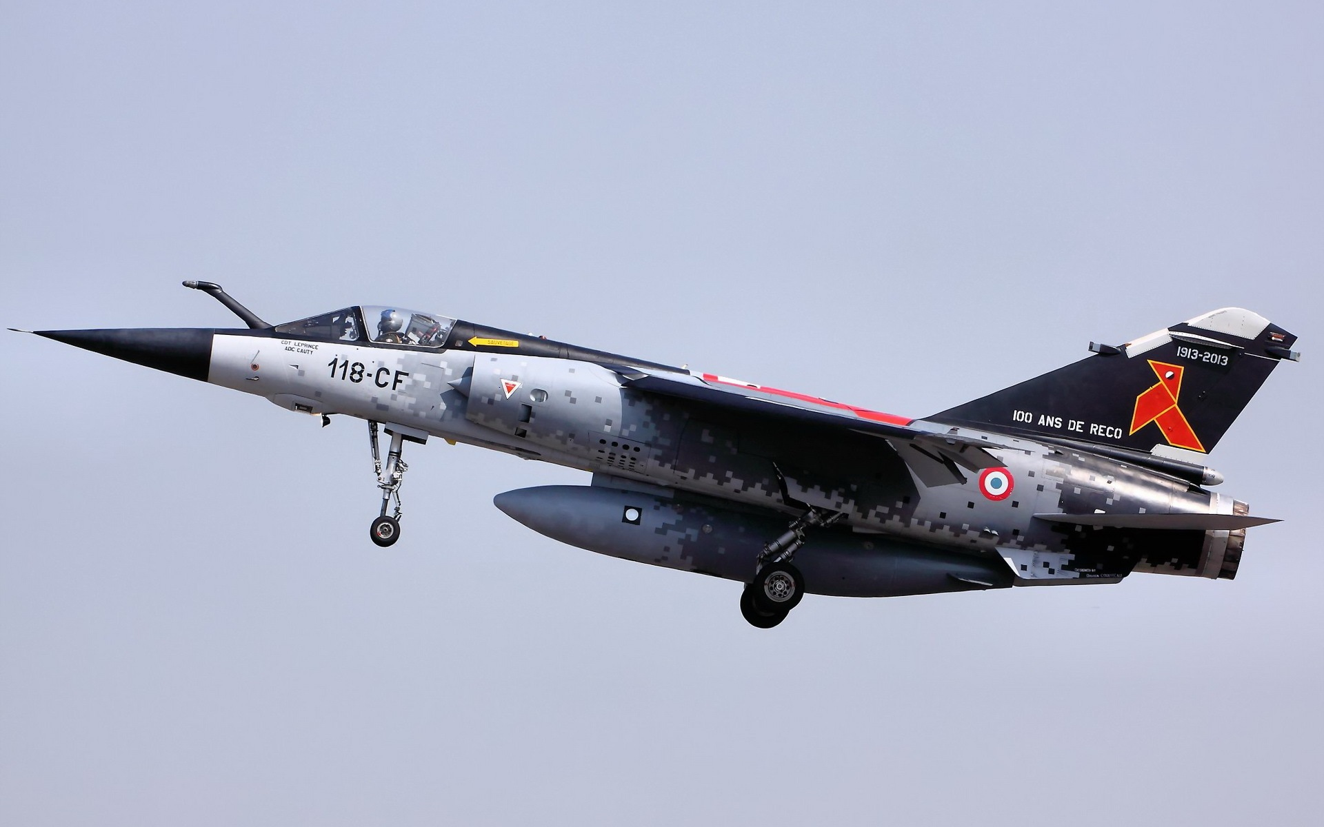 F 1 (航空機)の画像 p1_33