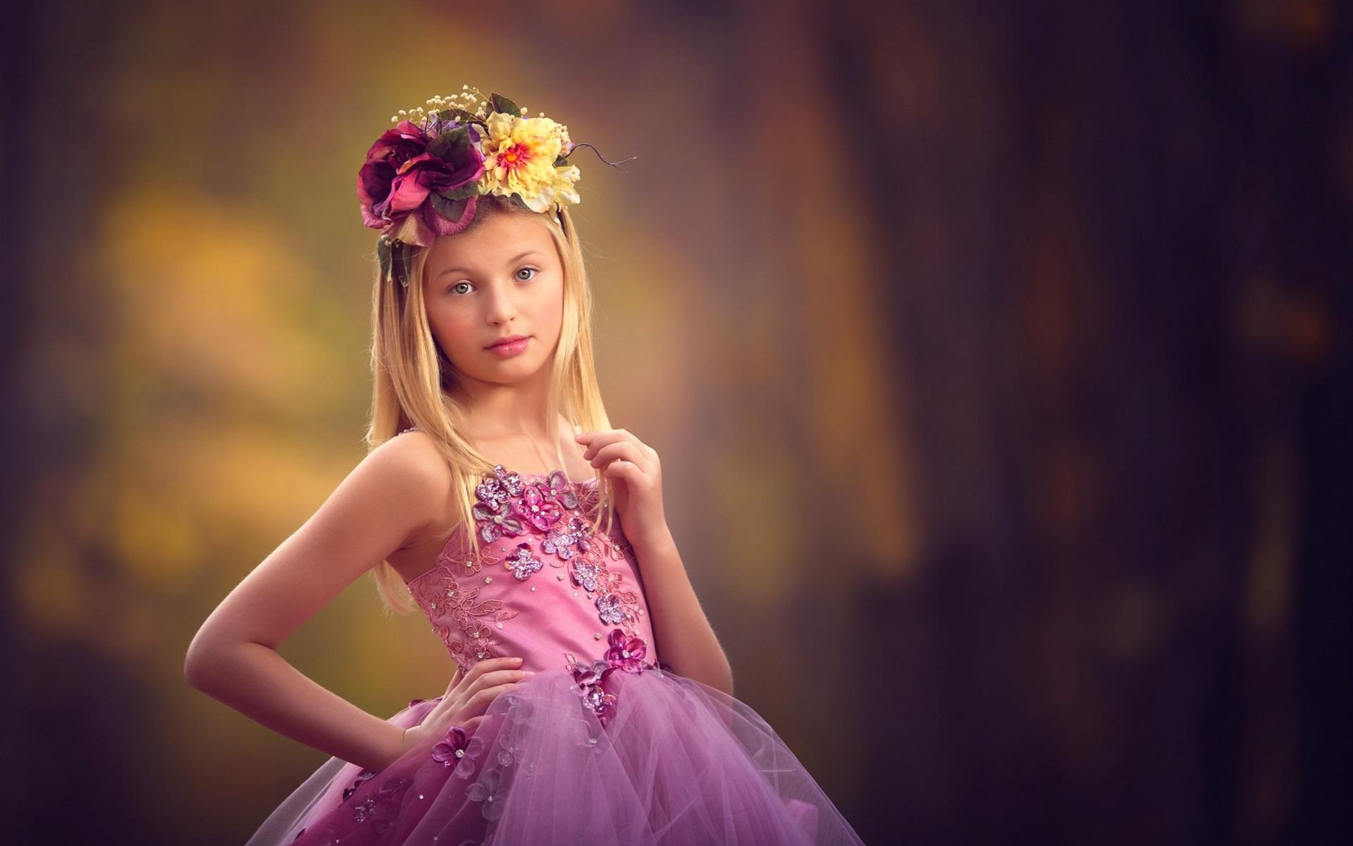 Wallpaper Cute little girl, wreath ...