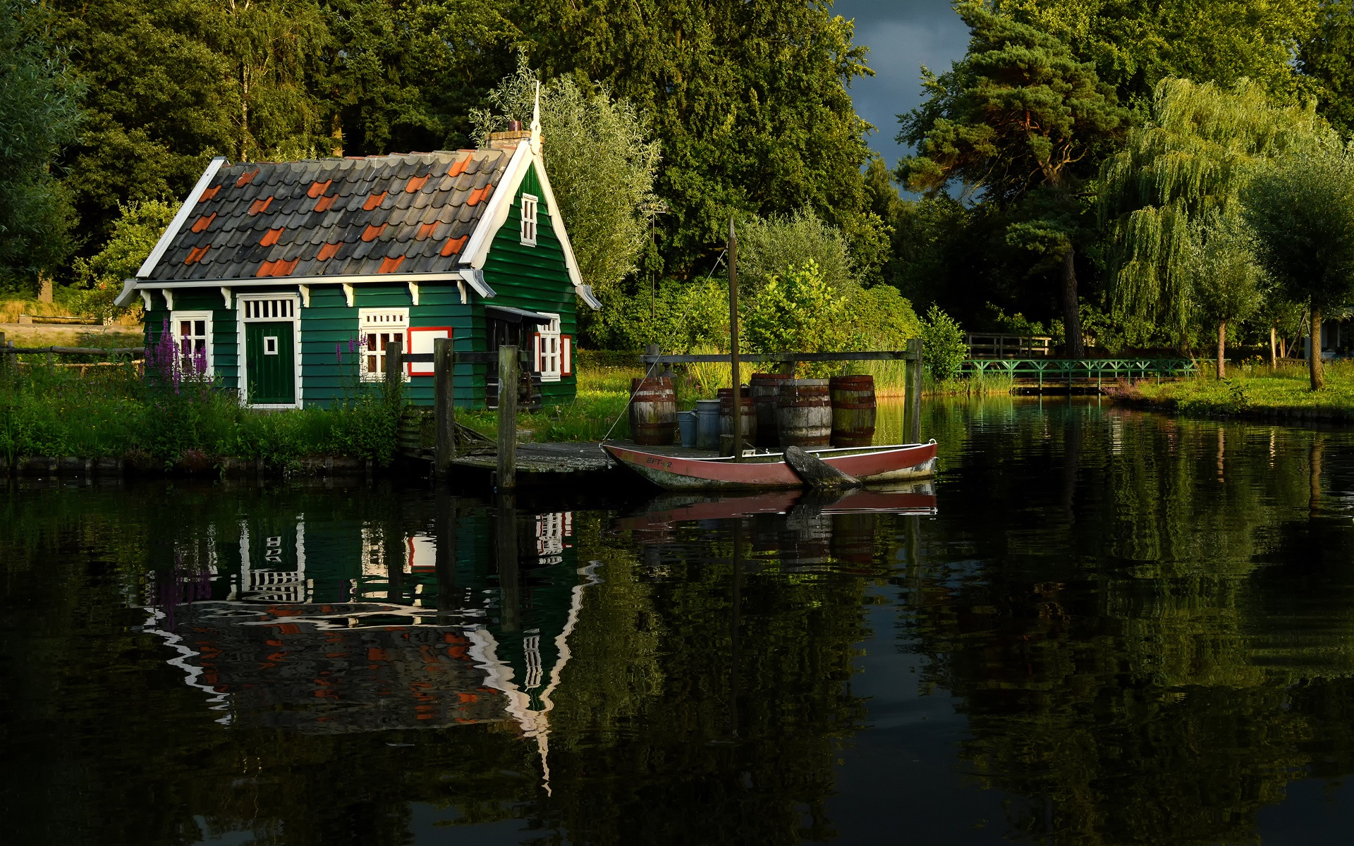Sommer b ume fluss teich park holzhaus steg boot hintergrundbilder 1920x1200 - The pond house nature above all ...