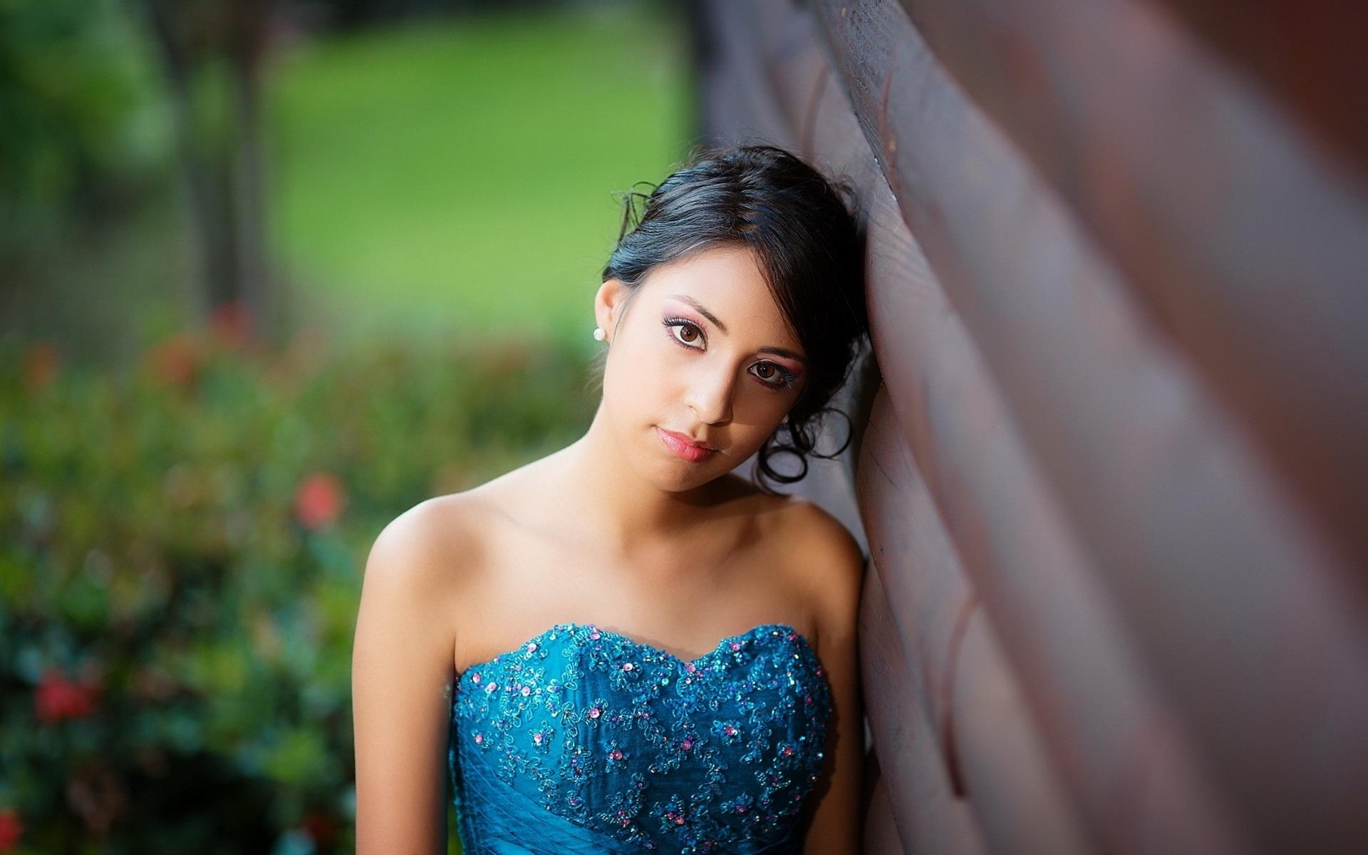 Vestido azul pelo negro