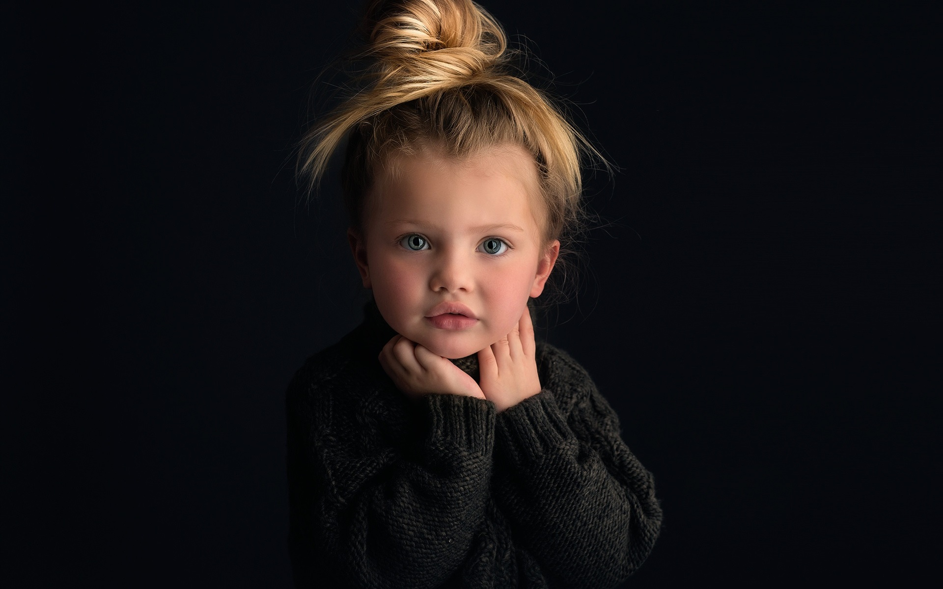 Wallpaper Cute Baby Girl Portrait Blonde Black Background 1920x1200 Hd Picture Image