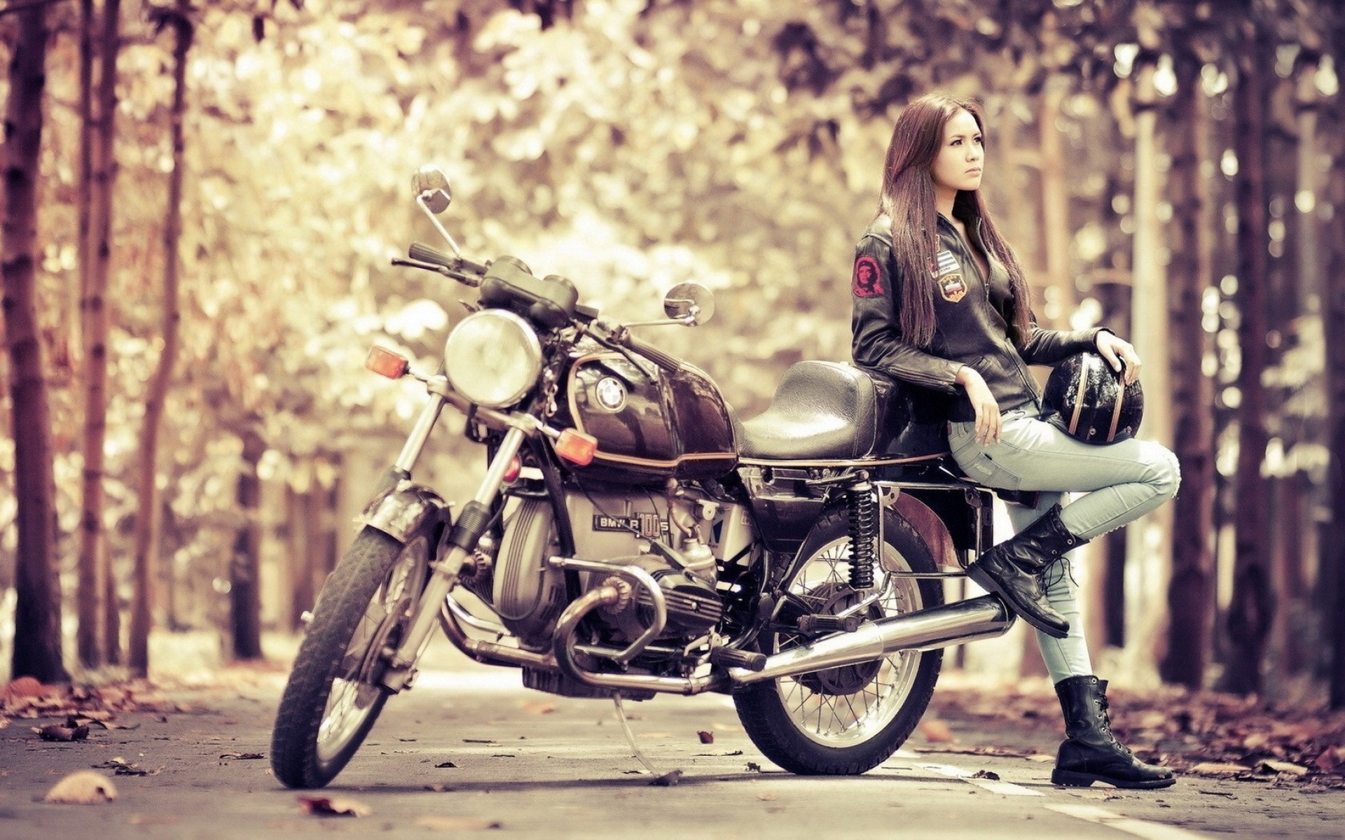 motorcycle-chicks-pictures-young-felicitas-nude