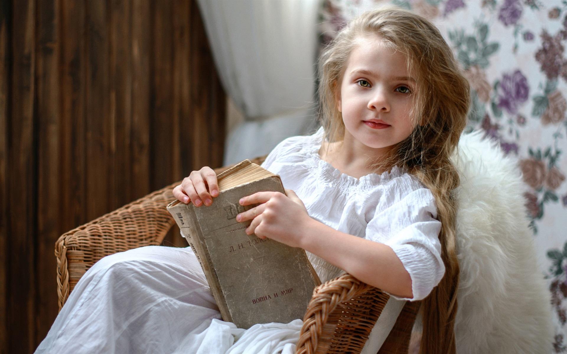 wallpaper russia cute little girl reading book 1920x1200 hd picture