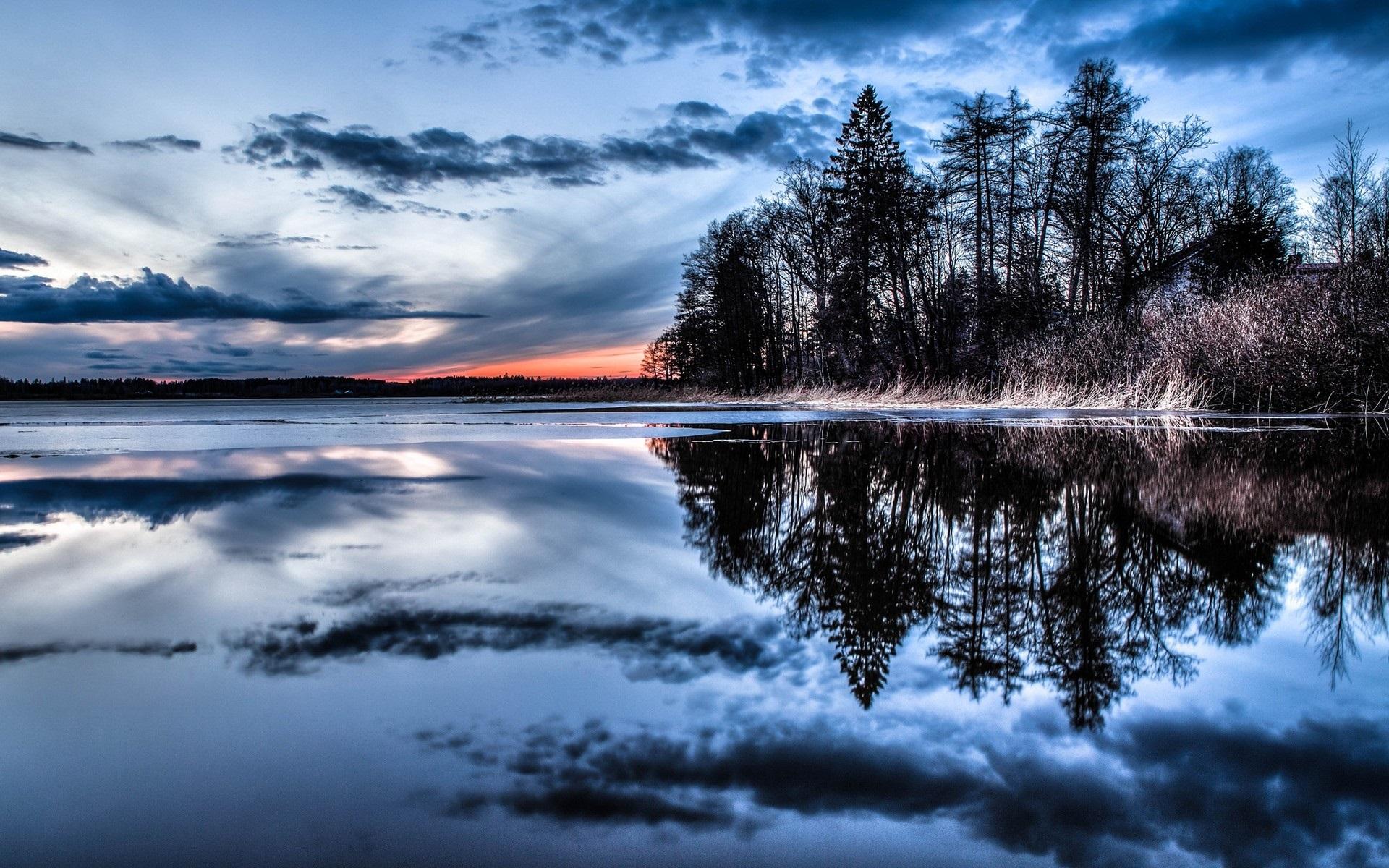 Отражение на воде картинка