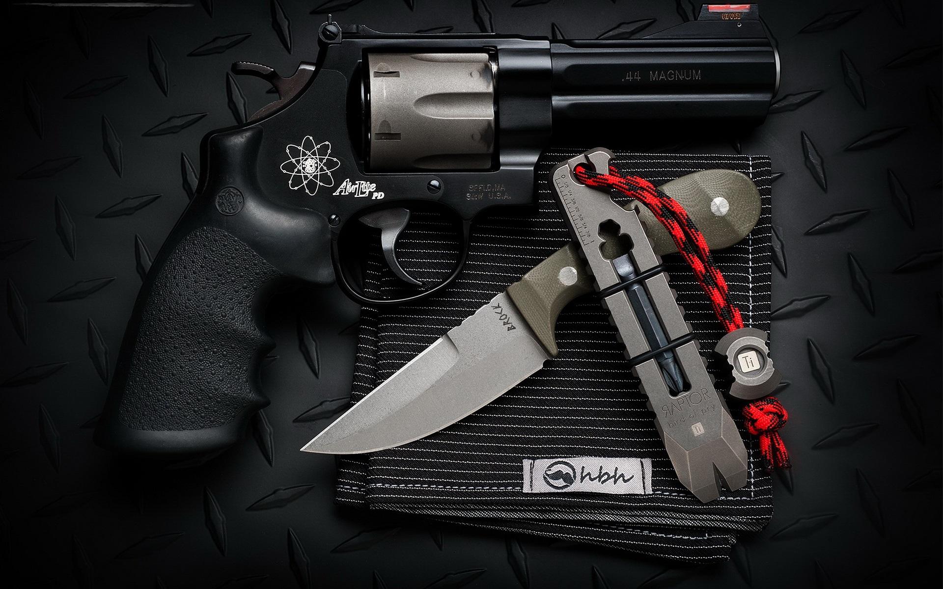 壁紙 ナイフと銃 武器 1920x1200 Hd 無料のデスクトップの背景 画像