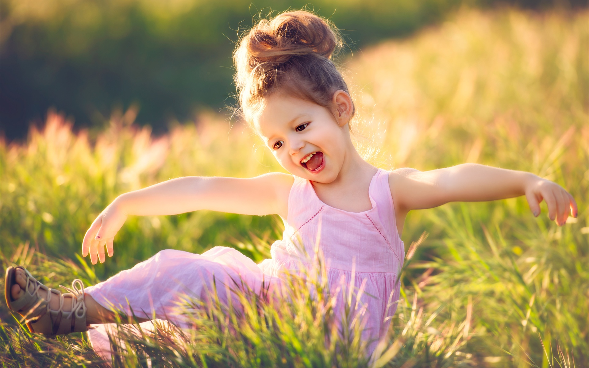 Happy-child-girl-grass-summer_1920x1200.
