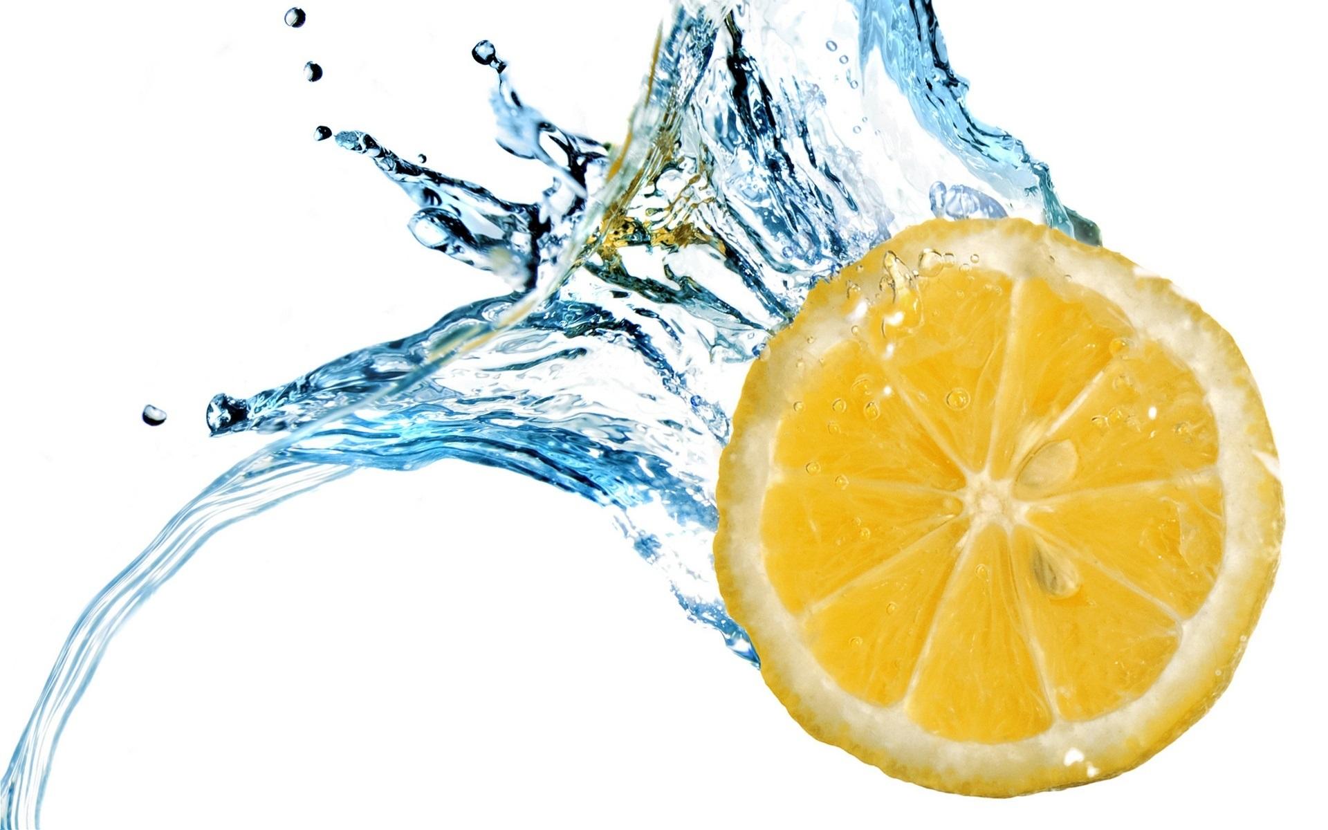 Wallpaper Lemon Slice Water Splash White Background