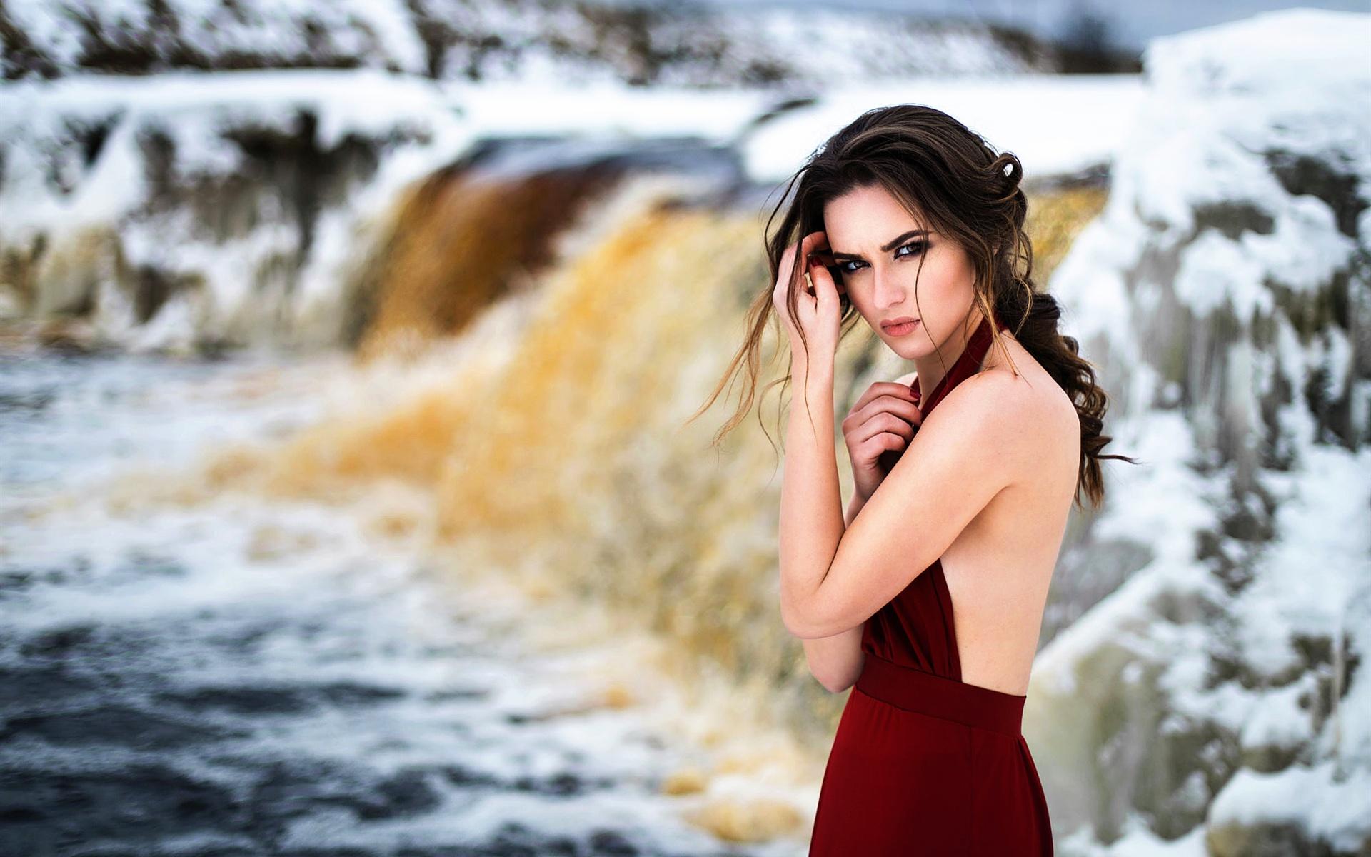 фотосессия на берегу реки холод для такого