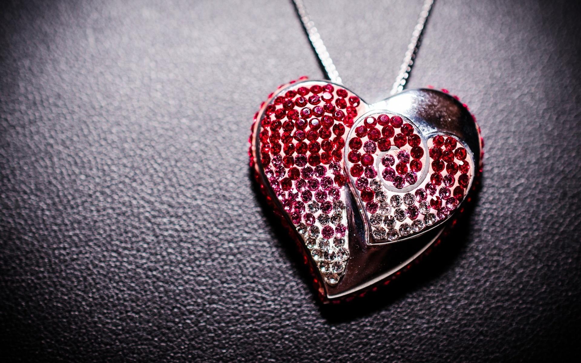 Кулон в виде сердца без смс