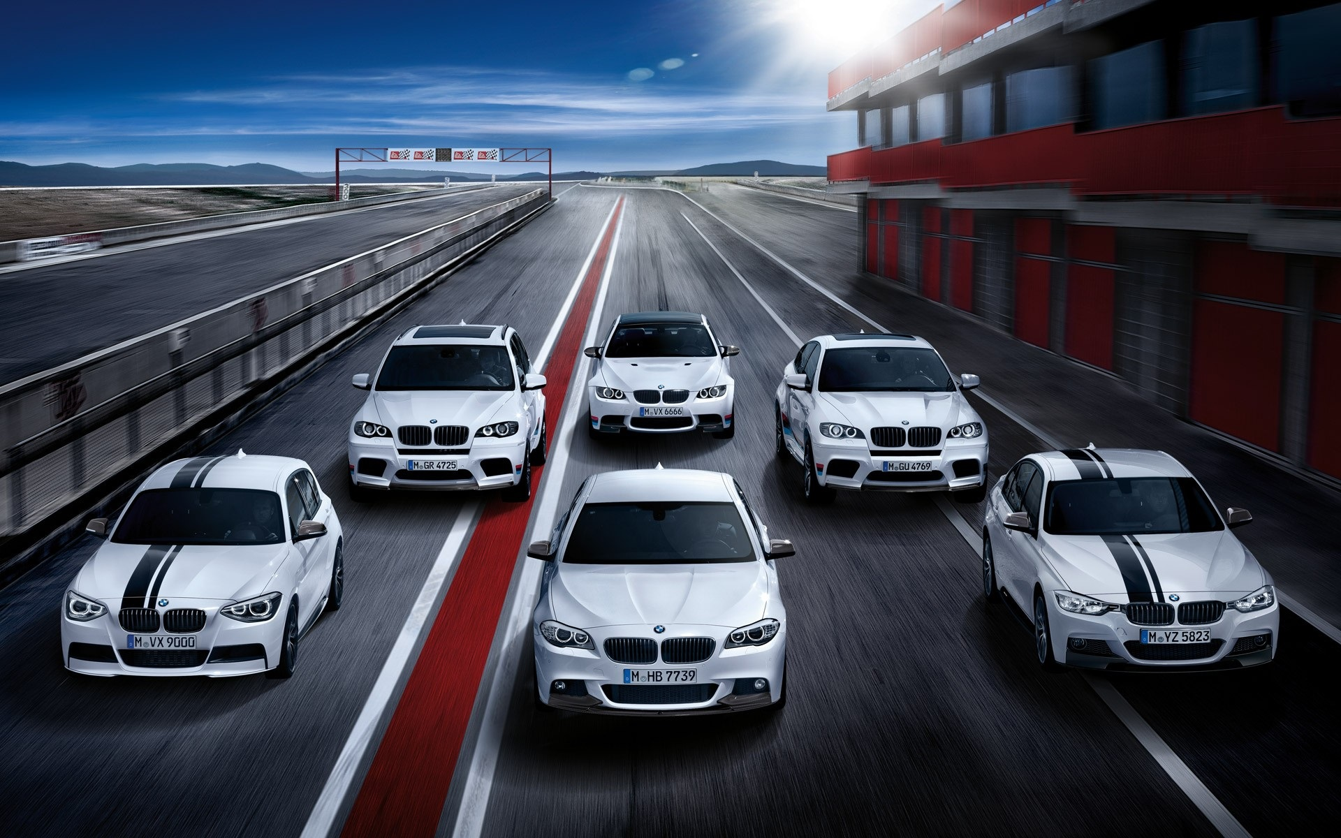 Много авто в одной картинке