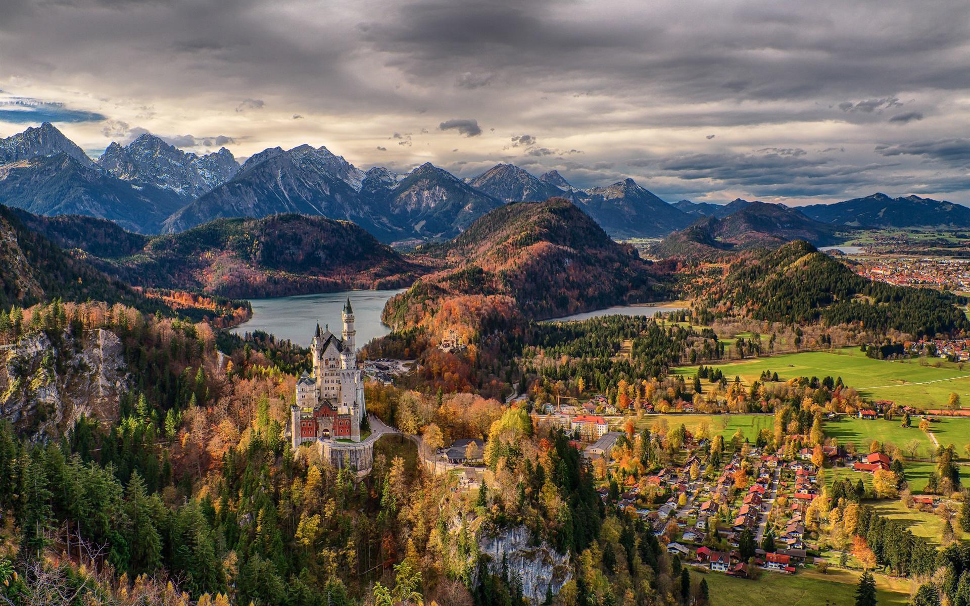 deutschland bayern b ume schloss neuschwanstein stadt berge wolken 1920x1200 hd. Black Bedroom Furniture Sets. Home Design Ideas