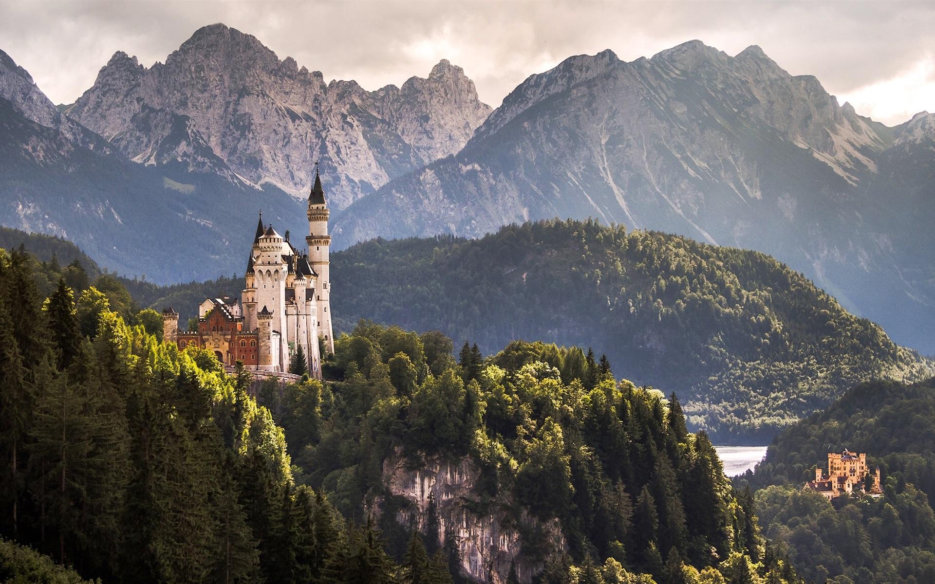 расскажем картинка замок за горами дома связано большим