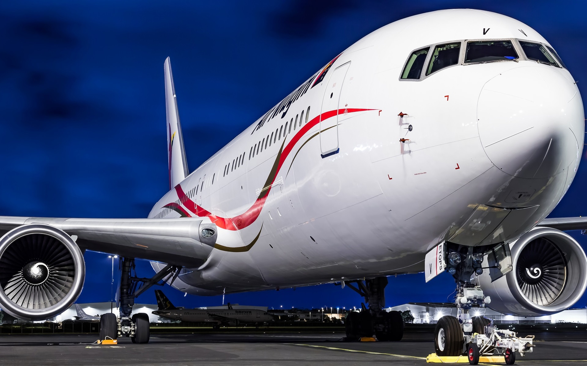 Wallpaper Boeing 767 airliner, airport 1920x1200 HD Picture