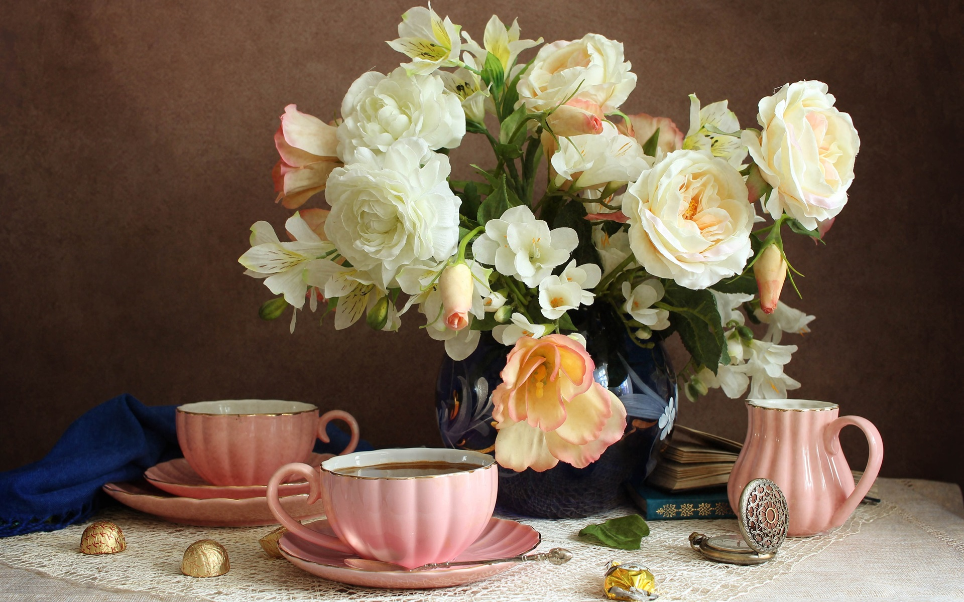 Flowers-still-life-coffee_1920x1200.jpg
