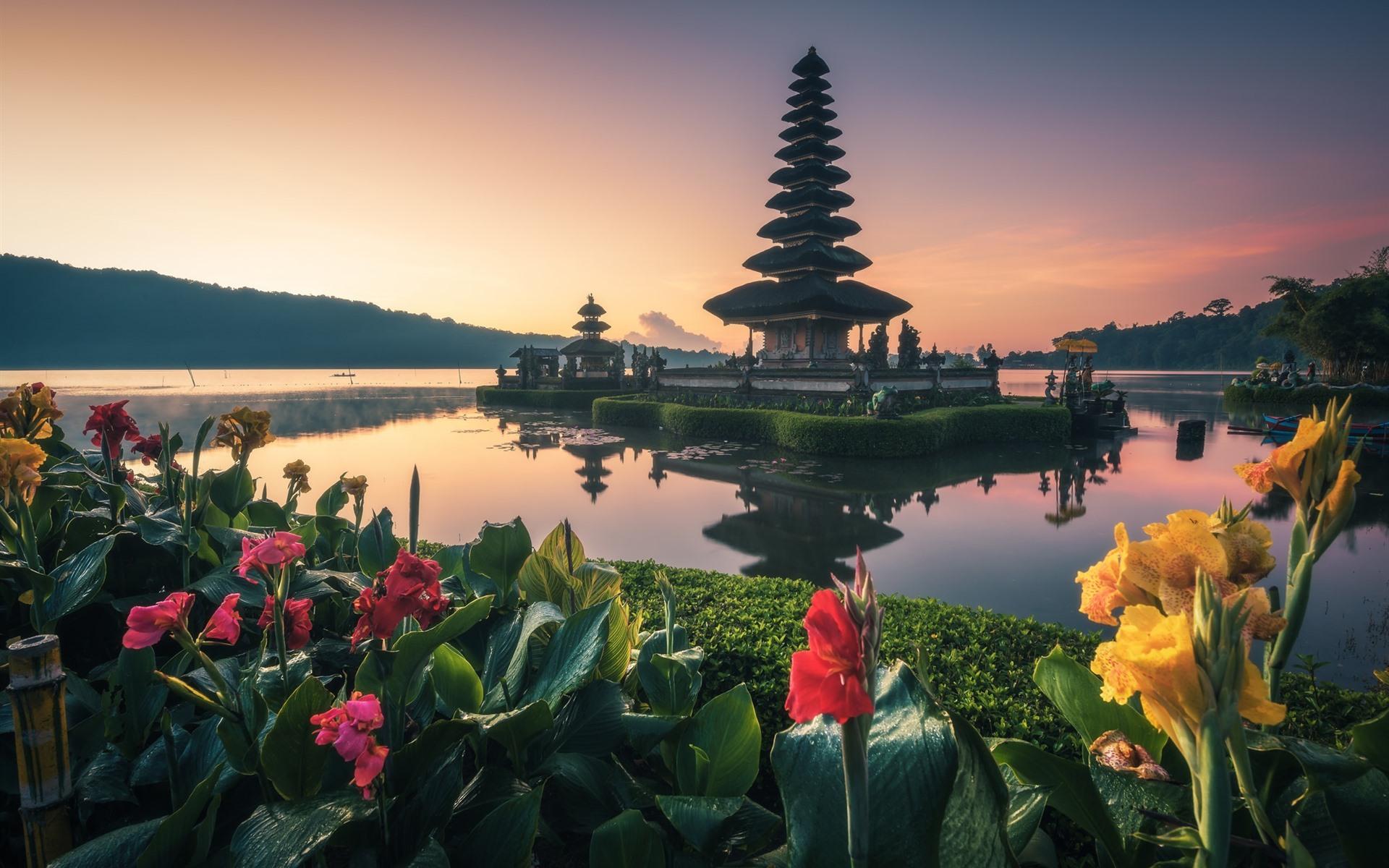 壁紙 バリ島 寺院 湖 花 インドネシア 1920x1200 Hd 無料の