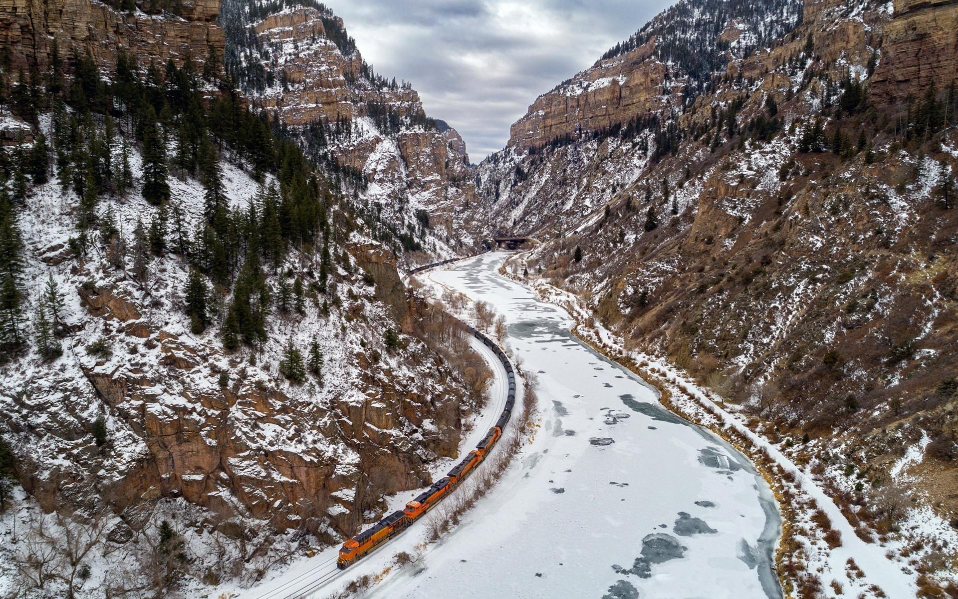 Fondo De Montañas Nevadas En Hd: Fondos De Pantalla Montañas, Nieve, Río, Ferrocarril