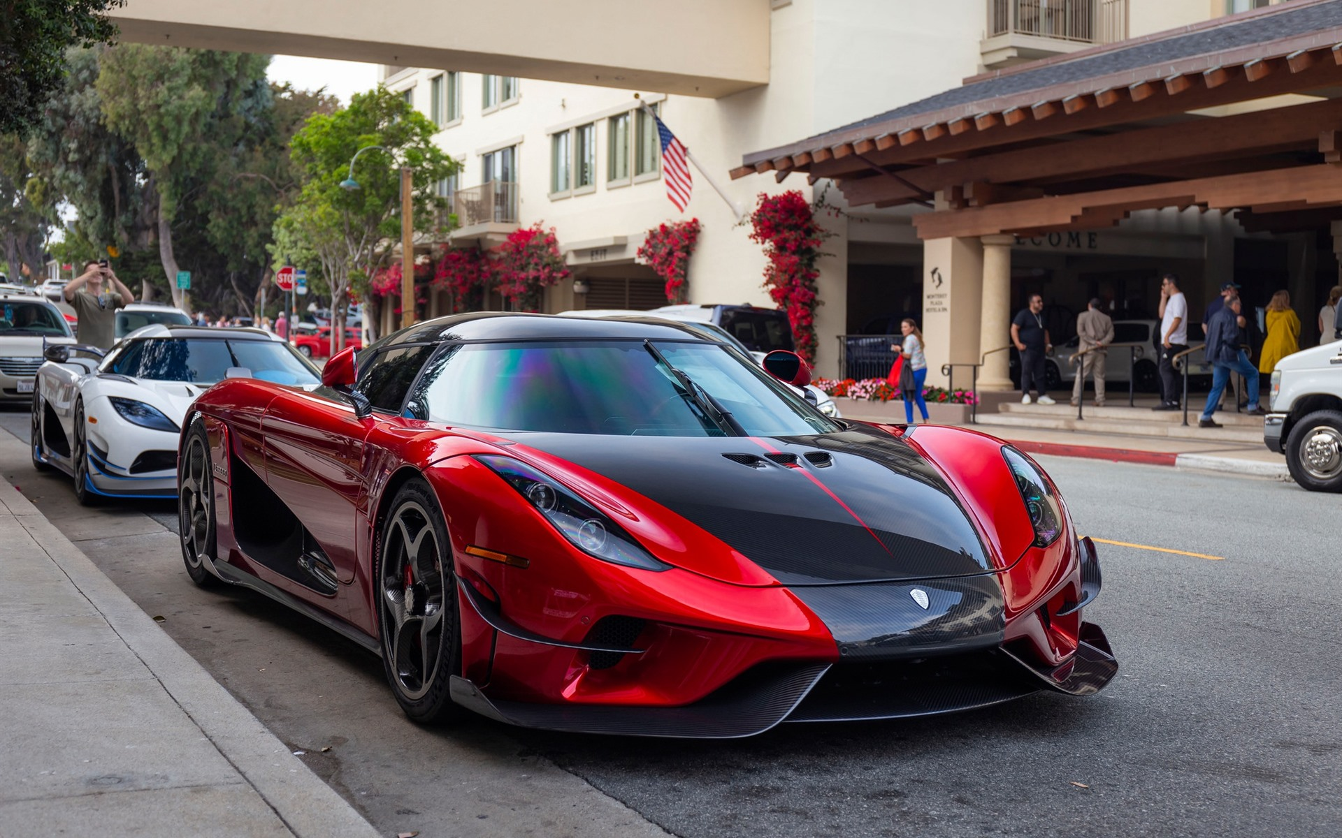 Wallpaper Koenigsegg red and white supercars 1920x1200 HD