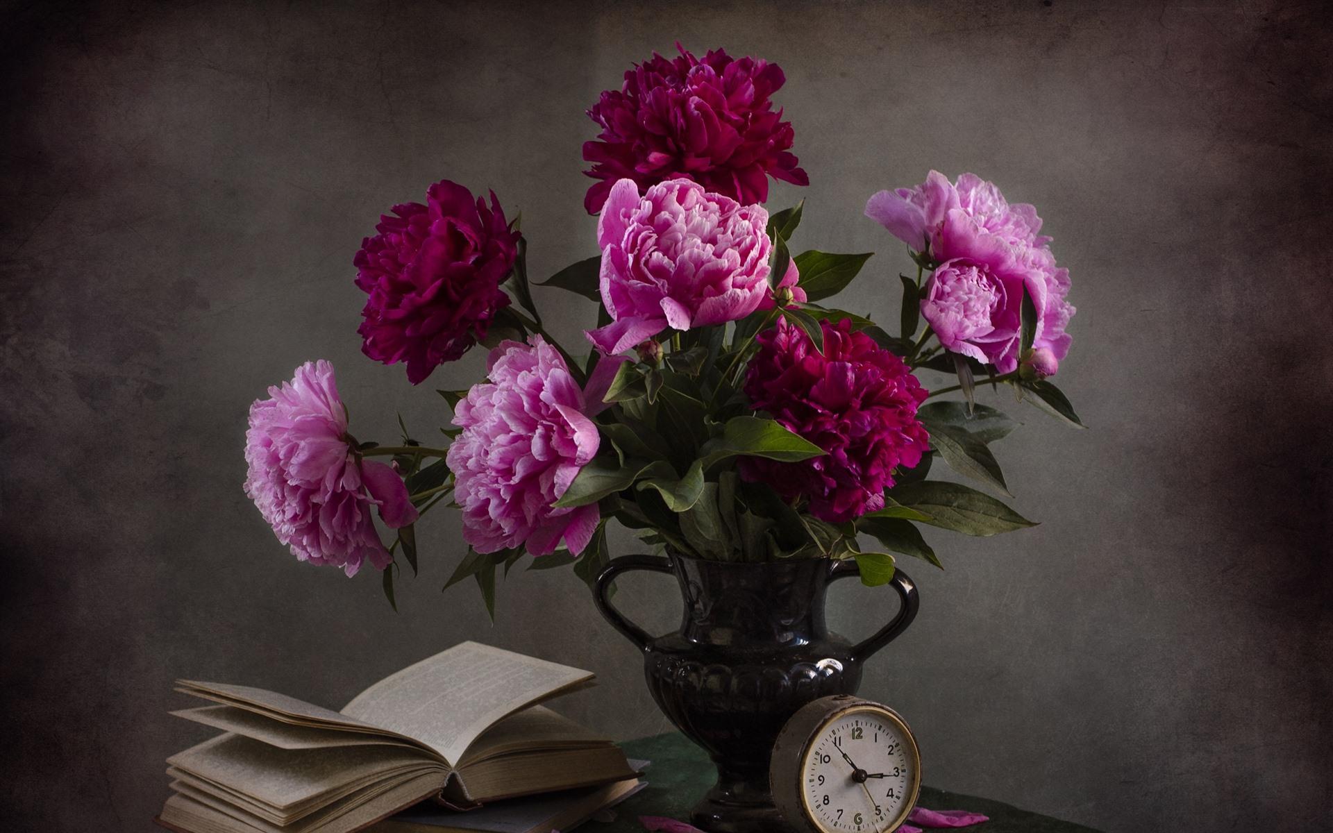 Fonds D 233 Cran Pivoines Roses Fleurs Vase Livre Horloge