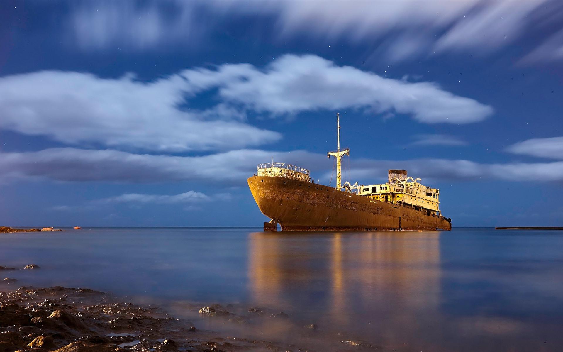 Wallpaper Rusty Ship Sea 1920x1200 Hd Picture Image