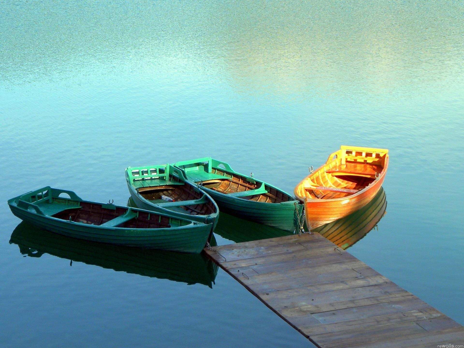 это картинки на рабочий стол лодка на воде чаще