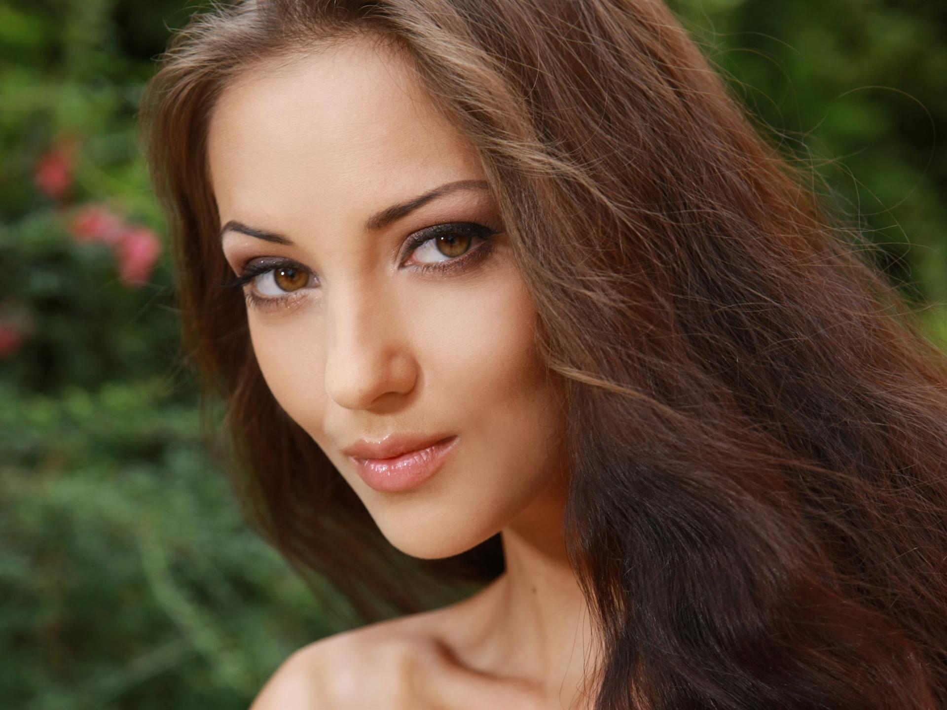 Anna Sbitnaya Pictures. Hotness Rating = 9.19/10