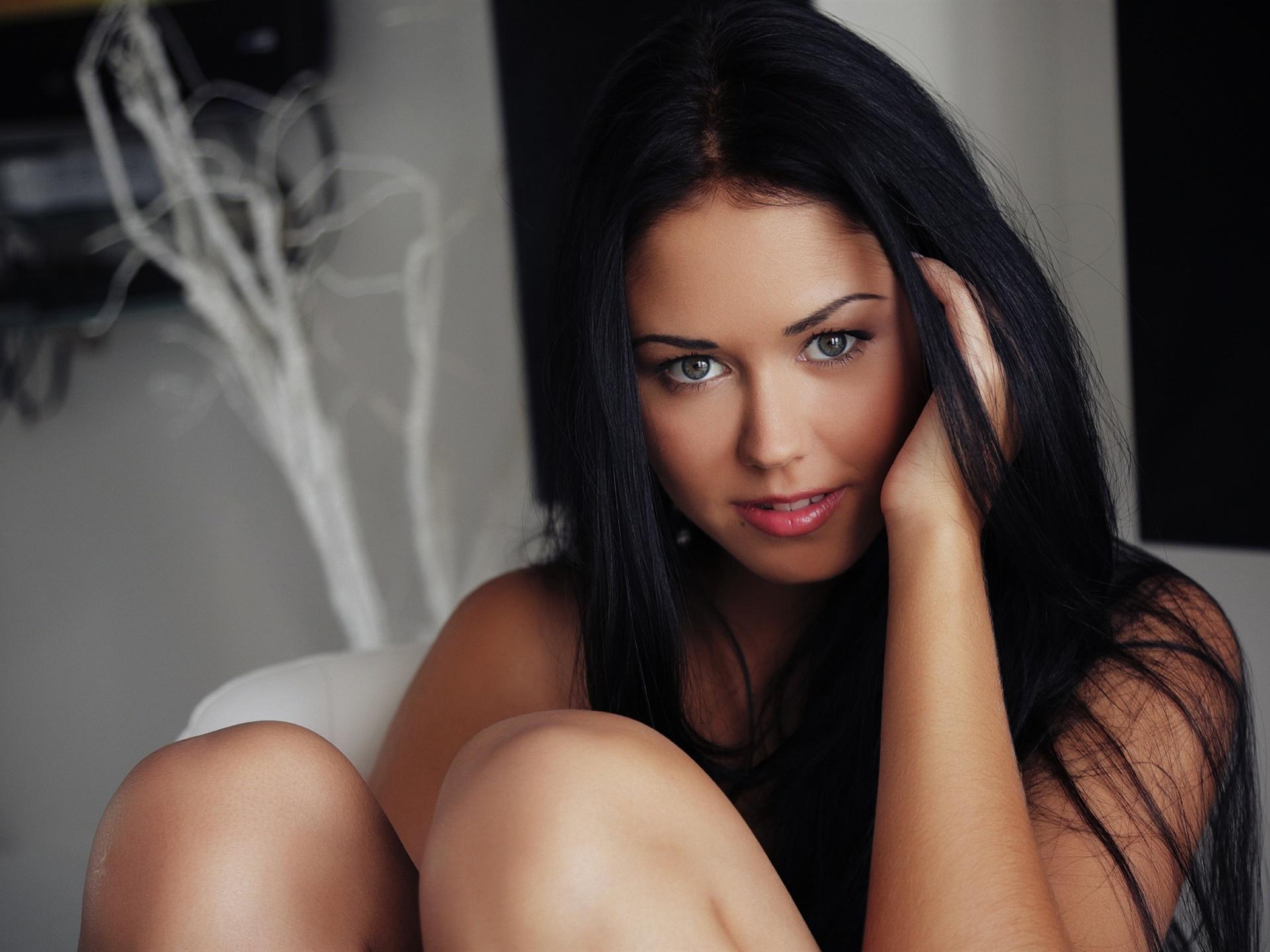 Beautiful black hair pure girl eyes face wallpaper 1920x1440