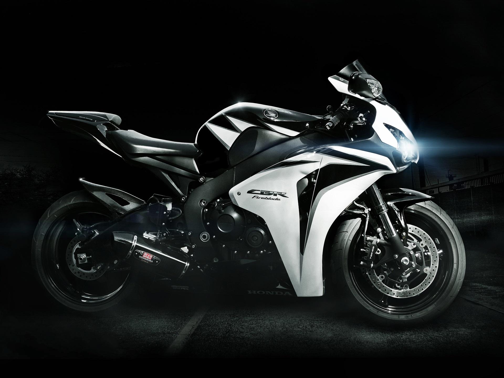 ホンダcbrのバイク 750x1334 Iphone 8 7 6 6s 壁紙 背景 画像
