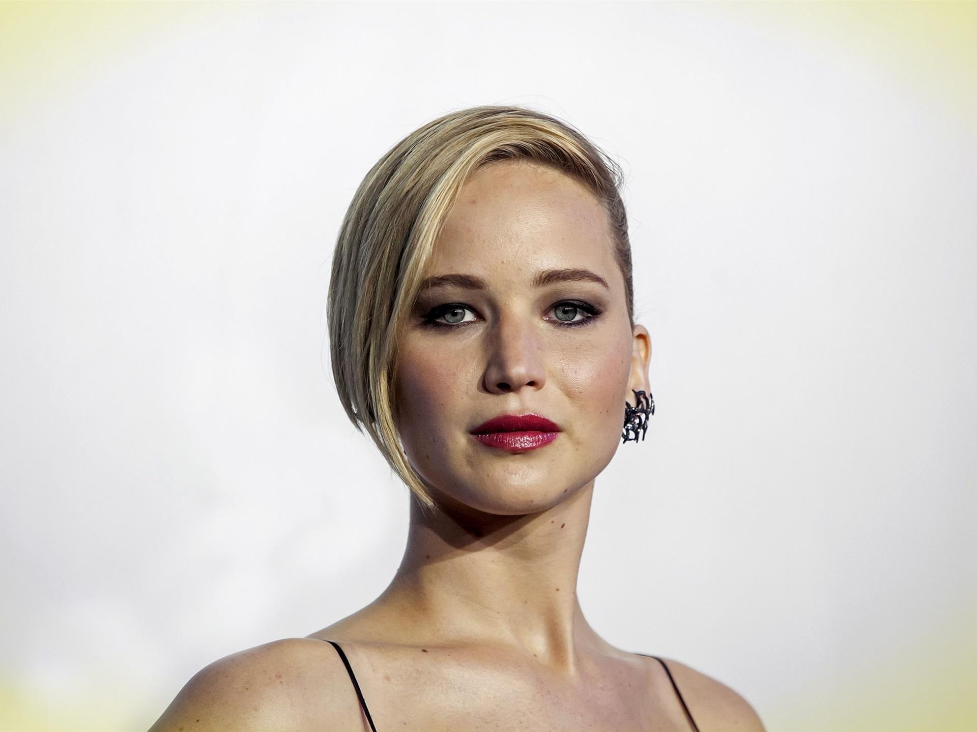 Jennifer-Lawrence-04_1... Jennifer Lawrence