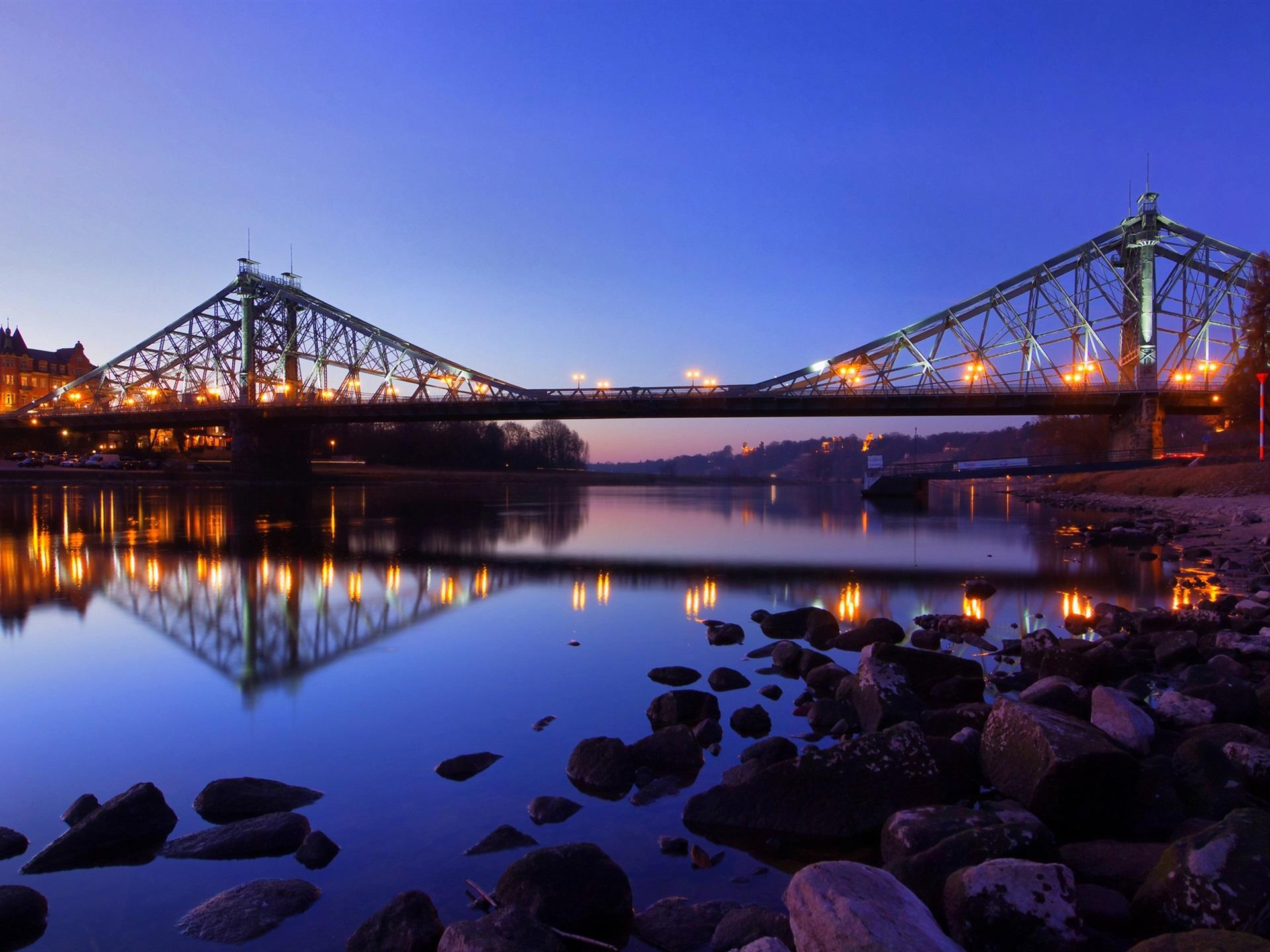Город река мост  № 3888400  скачать
