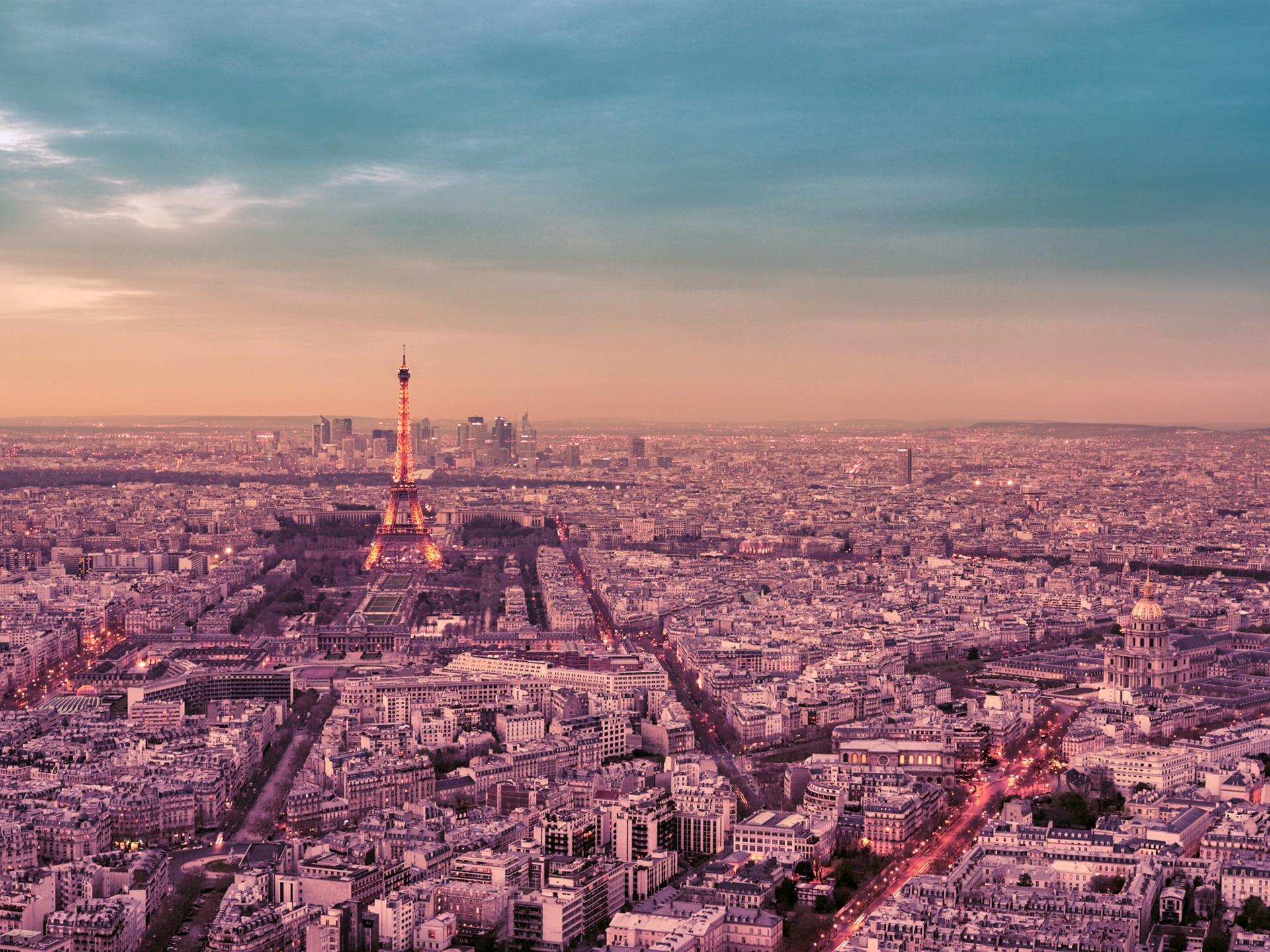 Fonds d'écran France, Paris, la nuit de la ville, la Tour Eiffel, rue, lumières 1920x1440 HD image