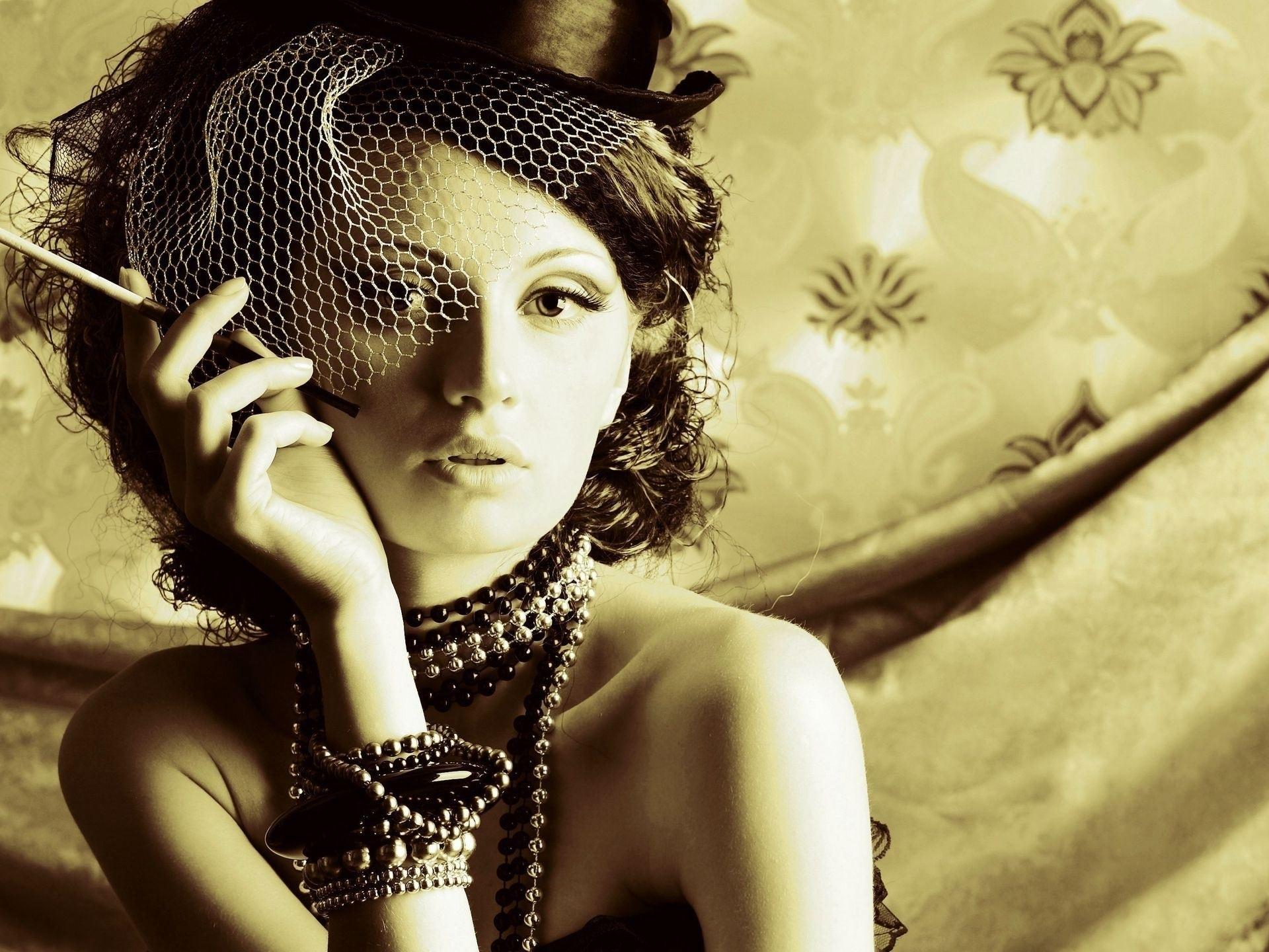 Girl Hat Cigarette Retro Wallpaper  1920x1440