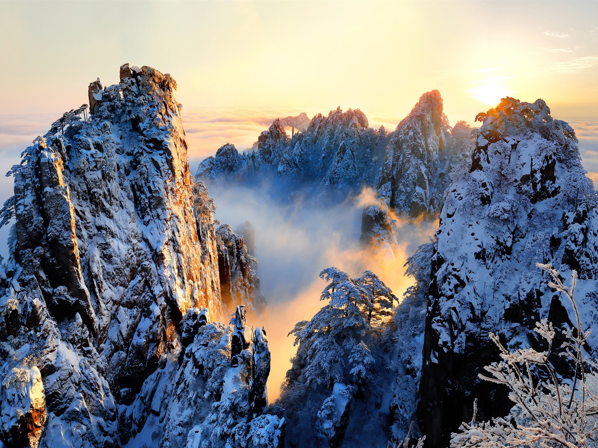 Wallpaper China Anhui Huangshan Beautiful Nature Landscape Snowy